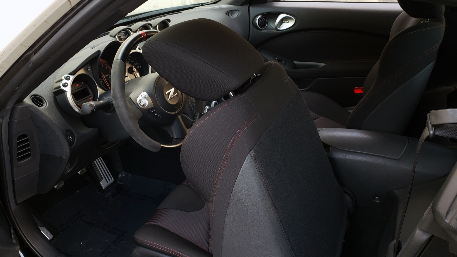 Used 2014 Nissan 370Z for sale Sold at Formula Imports in Charlotte NC 28227 54