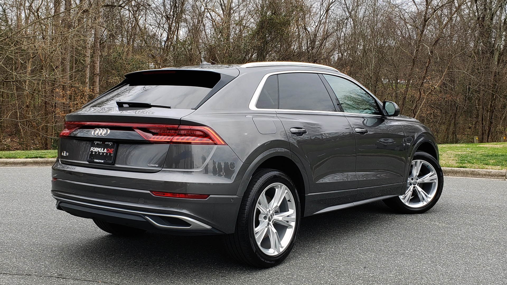 Used 2019 Audi Q8 PRESTIGE 3.0 / NAV / SUNROOF / BO SND / COLD WTHR / REARVIEW for sale Sold at Formula Imports in Charlotte NC 28227 4