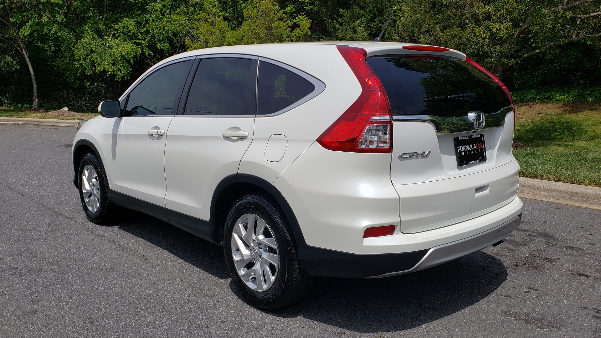 Used 2016 Honda CR-V EX / SUNROOF / 4-CYL / AUTO / 17IN ALLOY WHEELS for sale Sold at Formula Imports in Charlotte NC 28227 3