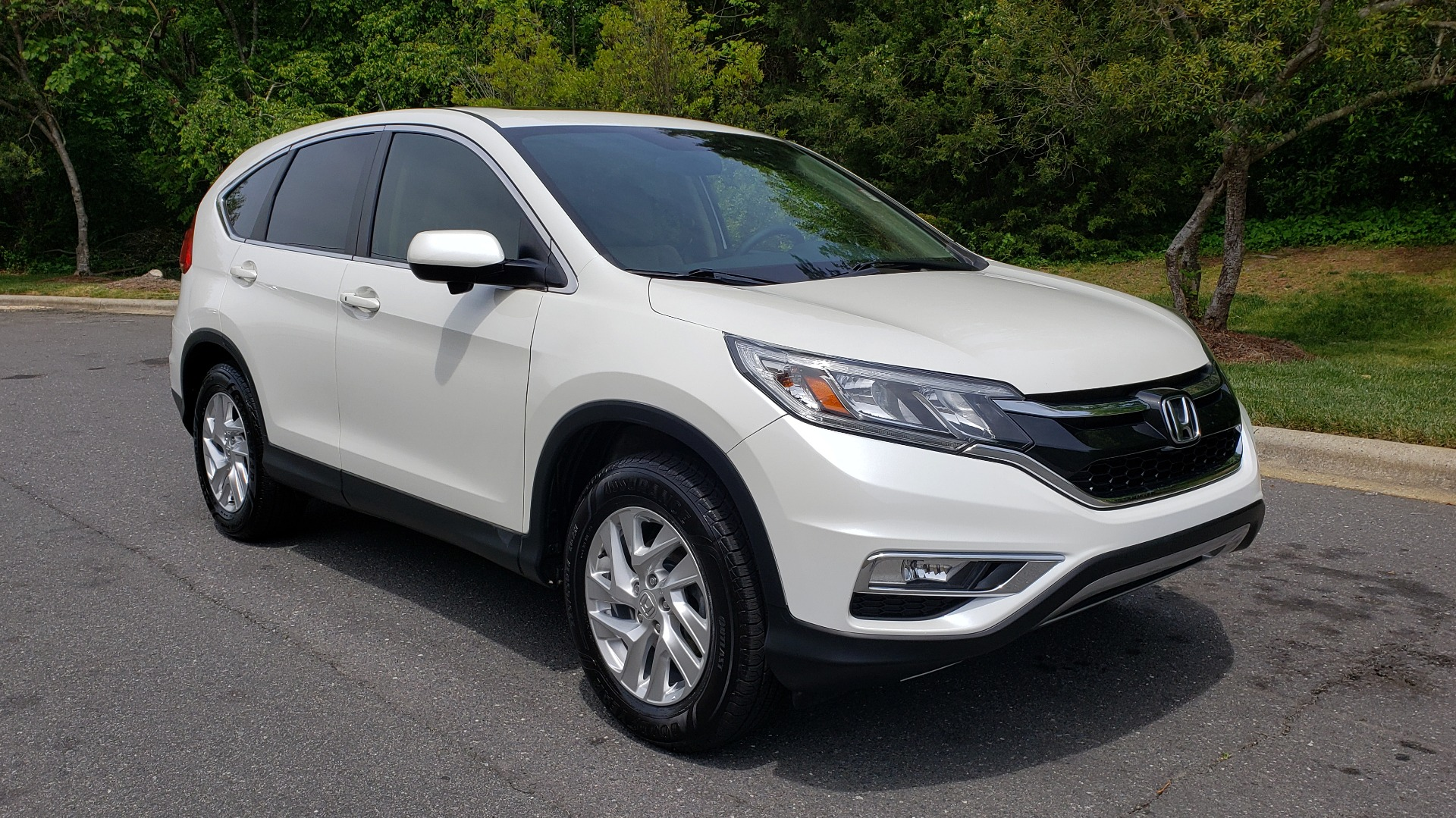 Used 2016 Honda CR-V EX / SUNROOF / 4-CYL / AUTO / 17IN ALLOY WHEELS for sale Sold at Formula Imports in Charlotte NC 28227 4
