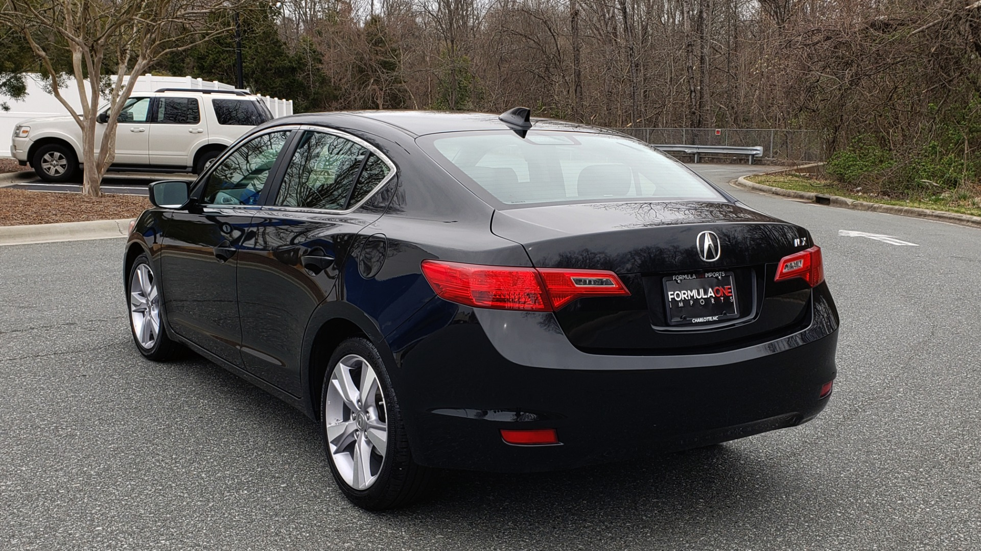 Used 2013 Acura ILX TECH PKG / SUNROOF / NAV / DUAL-ZONE A/C / REARVIEW for sale Sold at Formula Imports in Charlotte NC 28227 3
