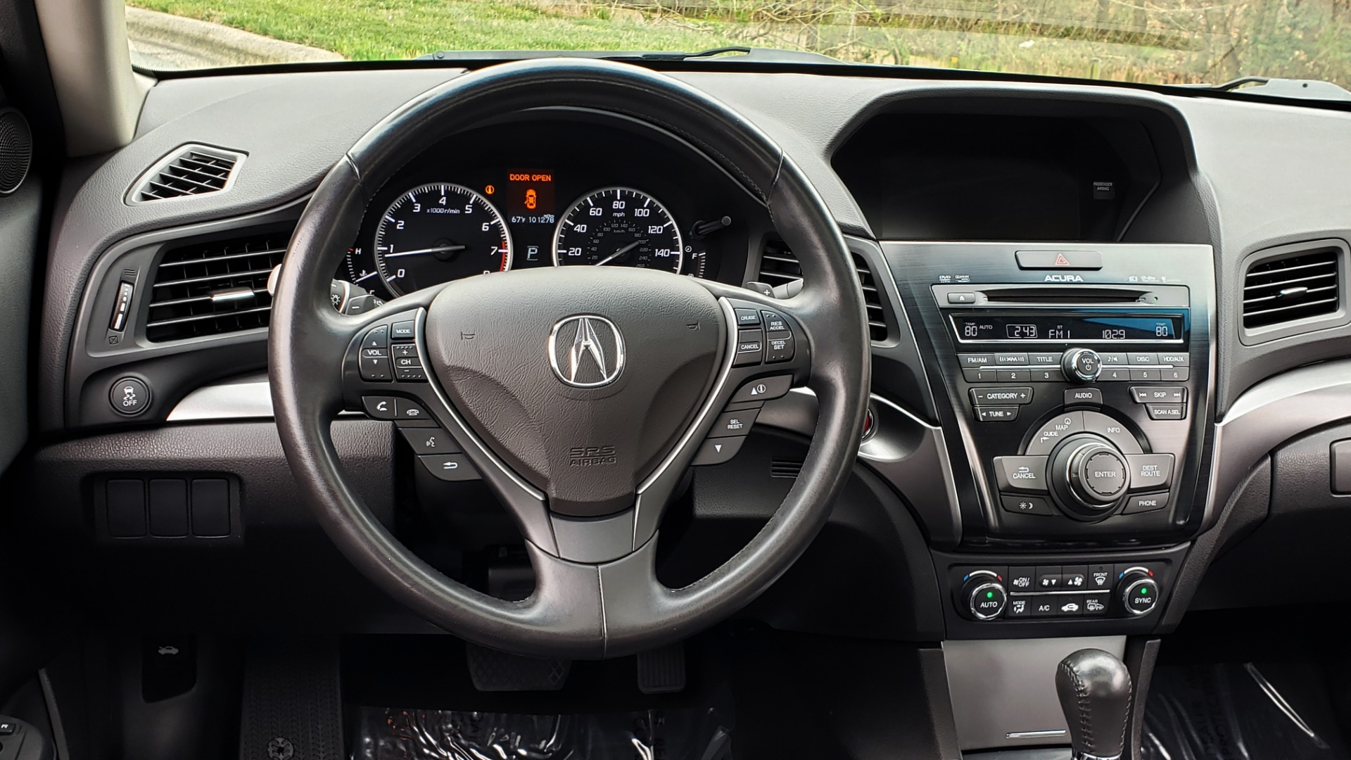 Used 2013 Acura ILX TECH PKG / SUNROOF / NAV / DUAL-ZONE A/C / REARVIEW for sale Sold at Formula Imports in Charlotte NC 28227 37