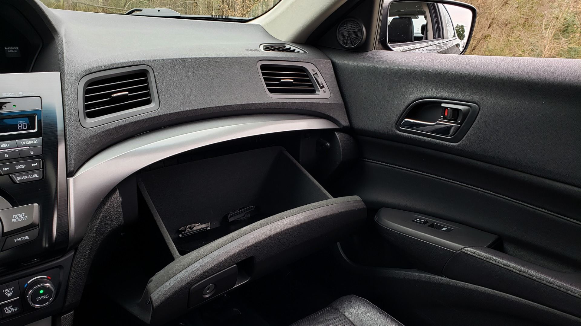 Used 2013 Acura ILX TECH PKG / SUNROOF / NAV / DUAL-ZONE A/C / REARVIEW for sale Sold at Formula Imports in Charlotte NC 28227 46