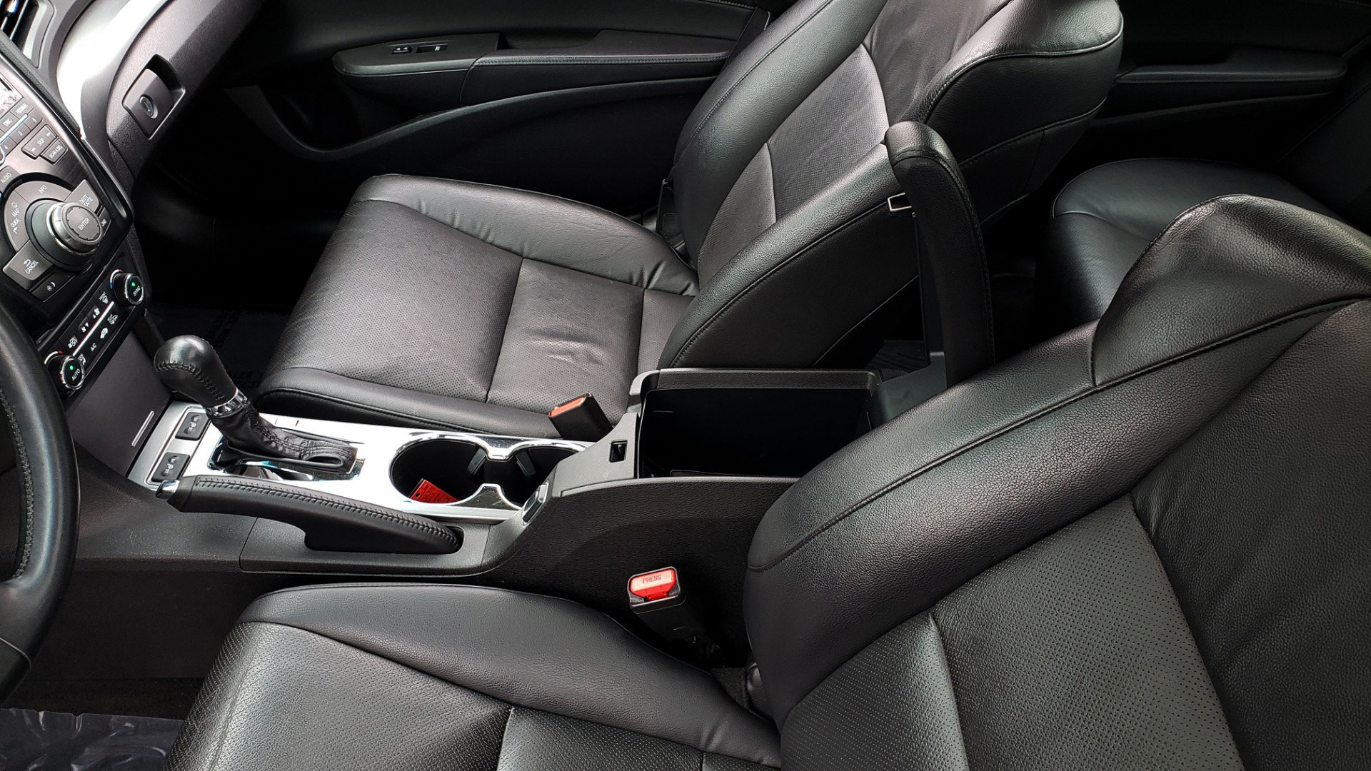 Used 2013 Acura ILX TECH PKG / SUNROOF / NAV / DUAL-ZONE A/C / REARVIEW for sale Sold at Formula Imports in Charlotte NC 28227 50