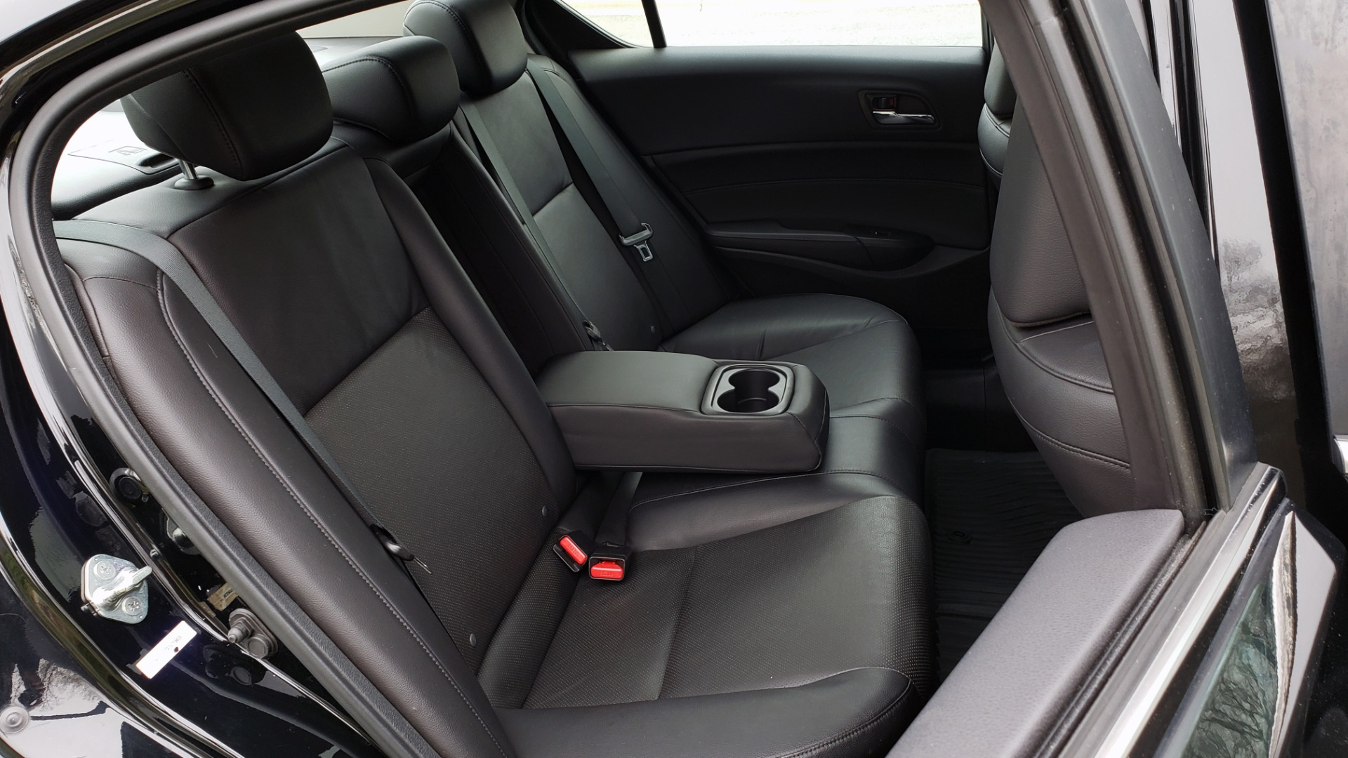 Used 2013 Acura ILX TECH PKG / SUNROOF / NAV / DUAL-ZONE A/C / REARVIEW for sale Sold at Formula Imports in Charlotte NC 28227 65