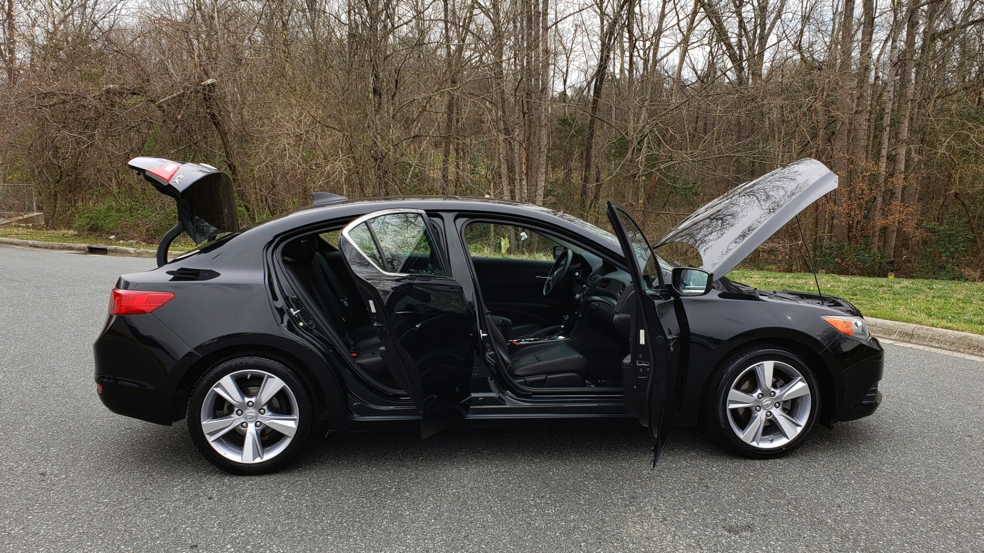 Used 2013 Acura ILX TECH PKG / SUNROOF / NAV / DUAL-ZONE A/C / REARVIEW for sale Sold at Formula Imports in Charlotte NC 28227 9