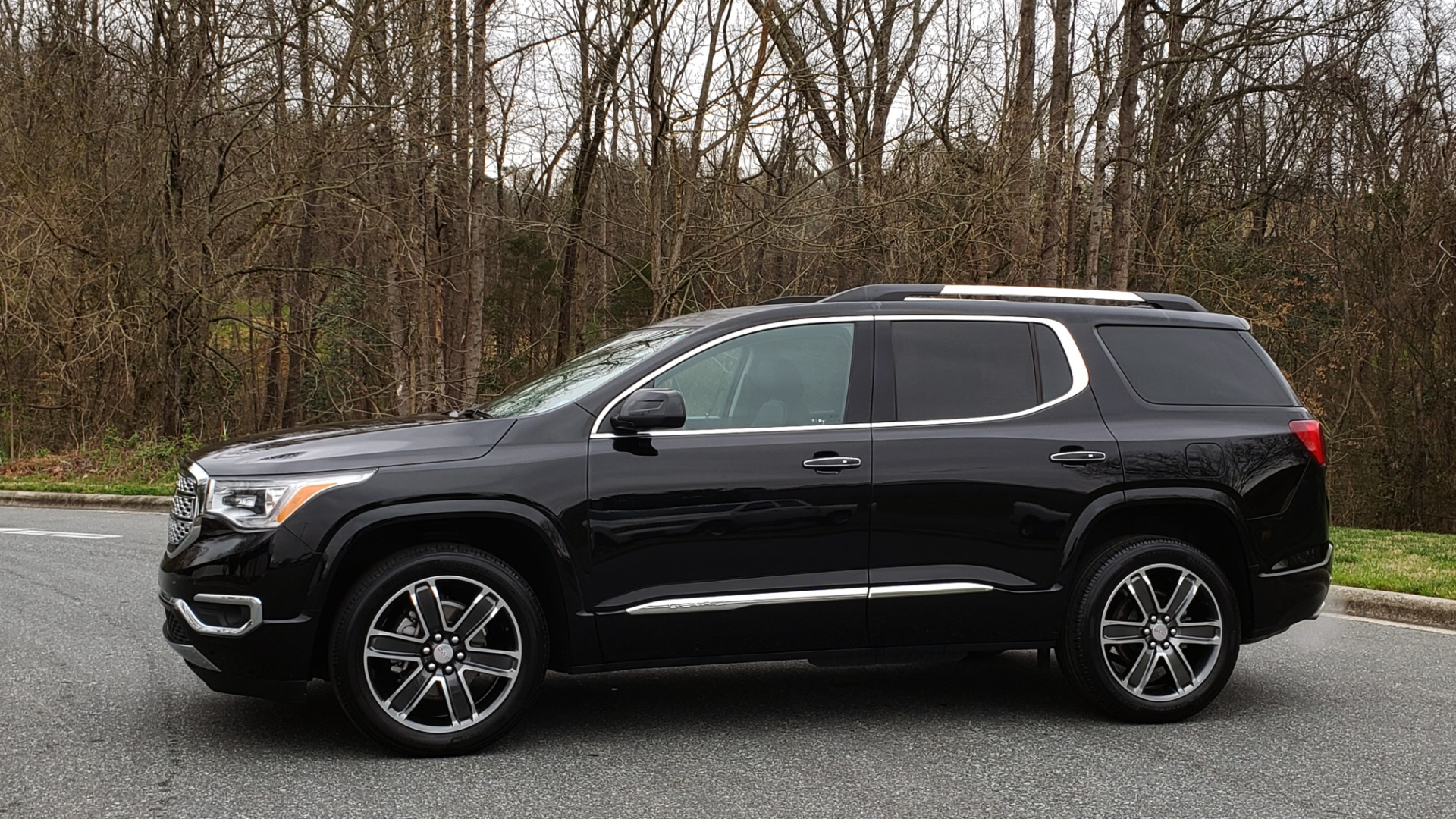 Used 2018 GMC ACADIA DENALI FWD / NAV / SUNROOF / BOSE / 3-ROW / REARVIEW for sale Sold at Formula Imports in Charlotte NC 28227 2