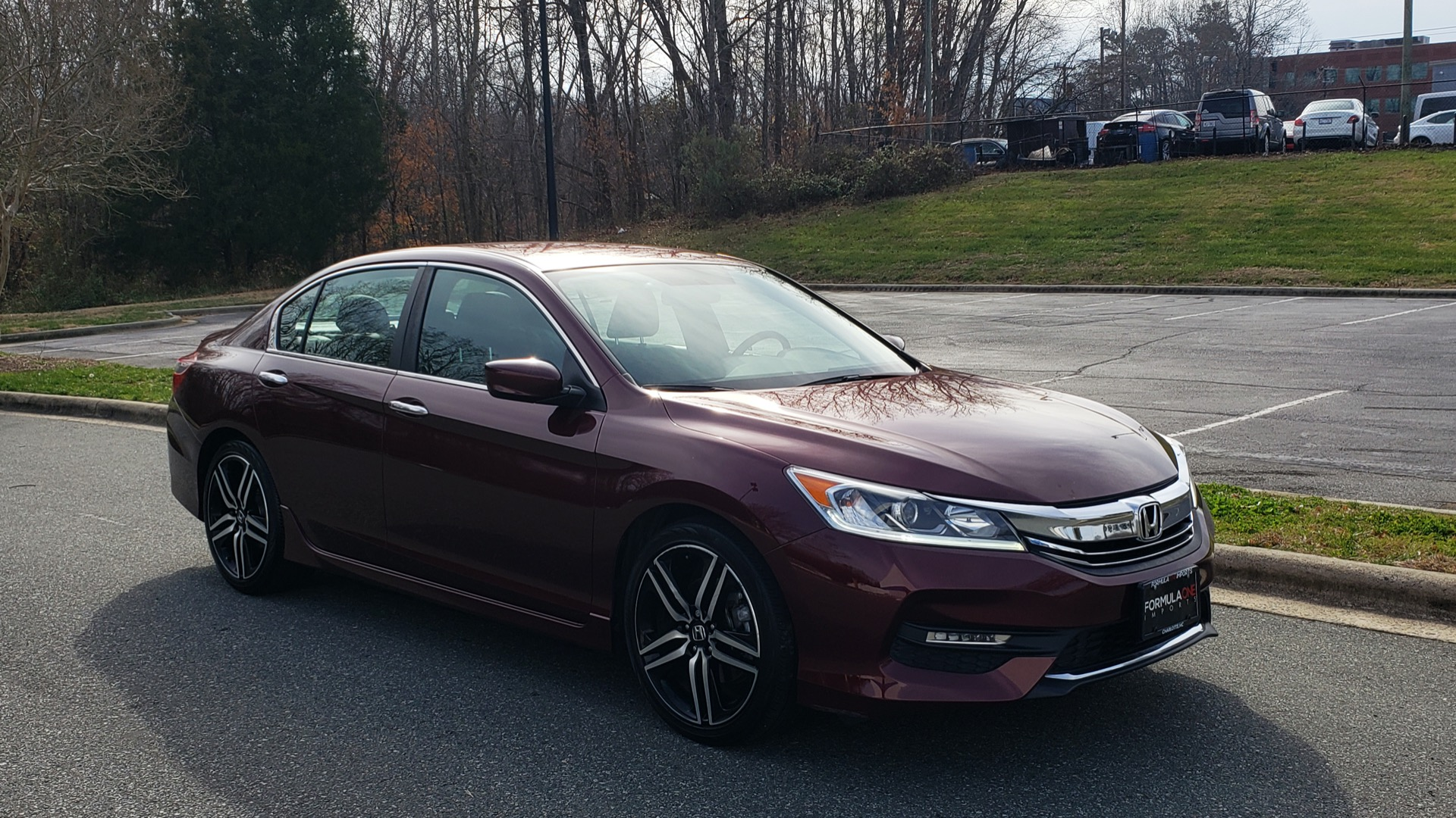 Used 2017 Honda ACCORD SEDAN SPORT / REARVIEW / / DUAL-ZONE A/C / 19IN ALLOY WHEELS for sale Sold at Formula Imports in Charlotte NC 28227 11