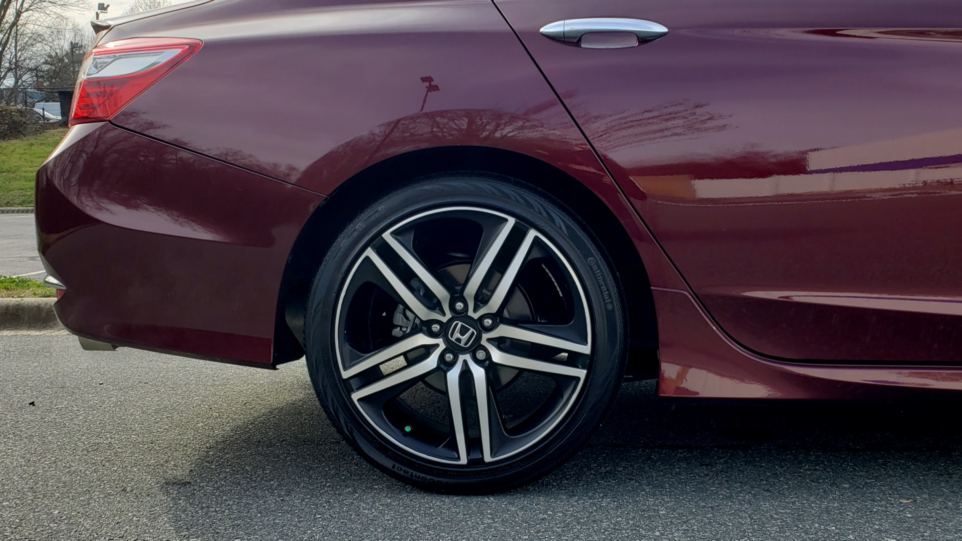 Used 2017 Honda ACCORD SEDAN SPORT / REARVIEW / / DUAL-ZONE A/C / 19IN ALLOY WHEELS for sale Sold at Formula Imports in Charlotte NC 28227 12