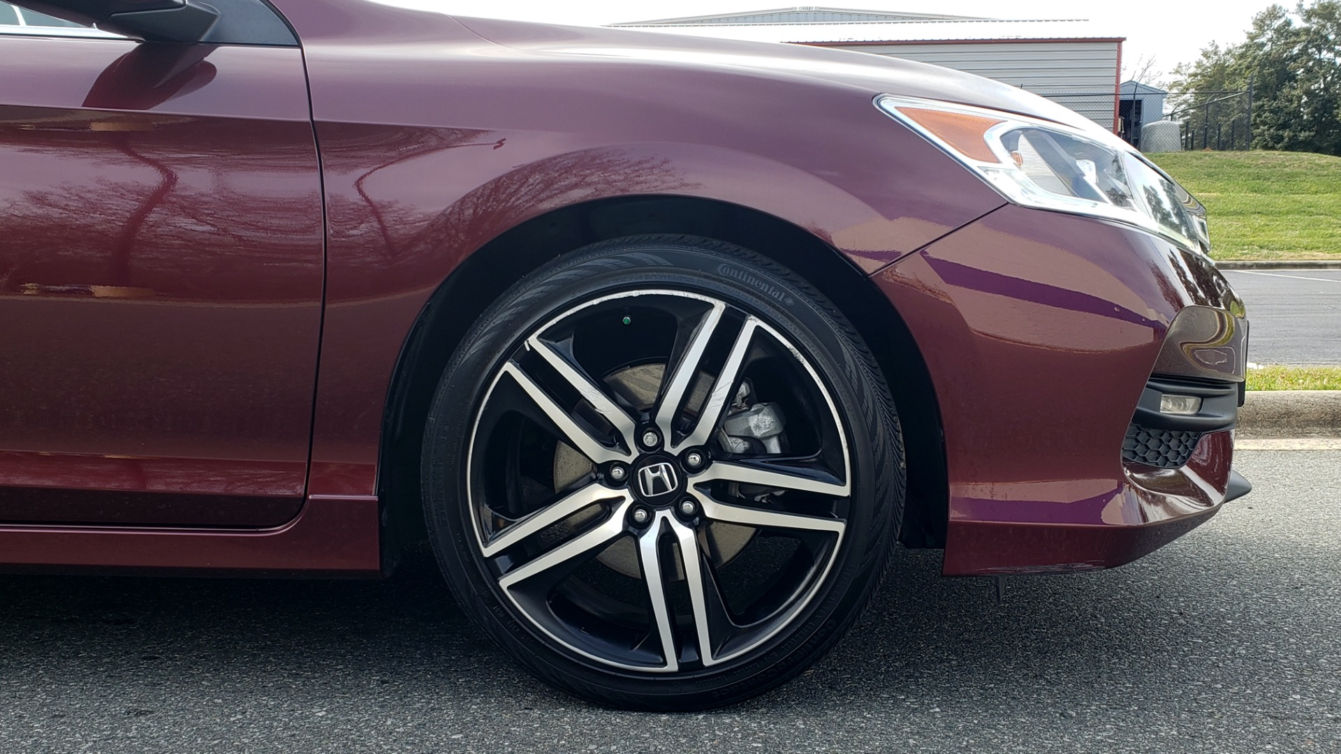 Used 2017 Honda ACCORD SEDAN SPORT / REARVIEW / / DUAL-ZONE A/C / 19IN ALLOY WHEELS for sale Sold at Formula Imports in Charlotte NC 28227 13