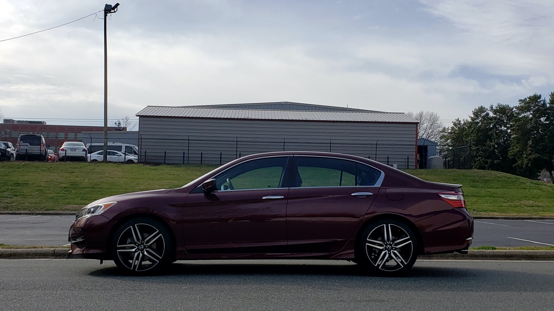 Used 2017 Honda ACCORD SEDAN SPORT / REARVIEW / / DUAL-ZONE A/C / 19IN ALLOY WHEELS for sale Sold at Formula Imports in Charlotte NC 28227 2