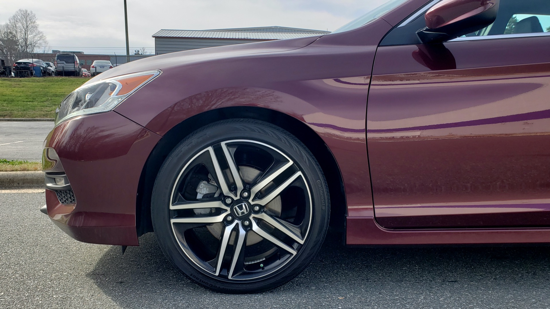 Used 2017 Honda ACCORD SEDAN SPORT / REARVIEW / / DUAL-ZONE A/C / 19IN ALLOY WHEELS for sale Sold at Formula Imports in Charlotte NC 28227 6