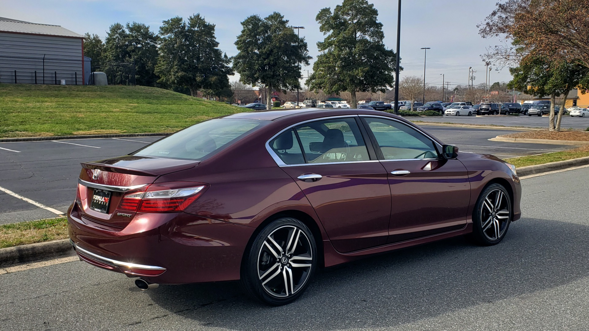 Used 2017 Honda ACCORD SEDAN SPORT / REARVIEW / / DUAL-ZONE A/C / 19IN ALLOY WHEELS for sale Sold at Formula Imports in Charlotte NC 28227 9