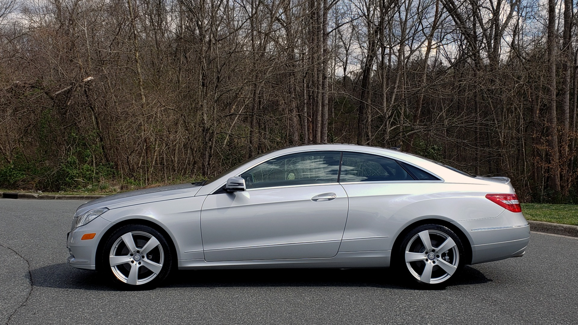 Used 2013 Mercedes-Benz E-CLASS E 350 COUPE PREM / NAV / PANO-ROFF / KEYLESS-GO / REARVIEW for sale Sold at Formula Imports in Charlotte NC 28227 3