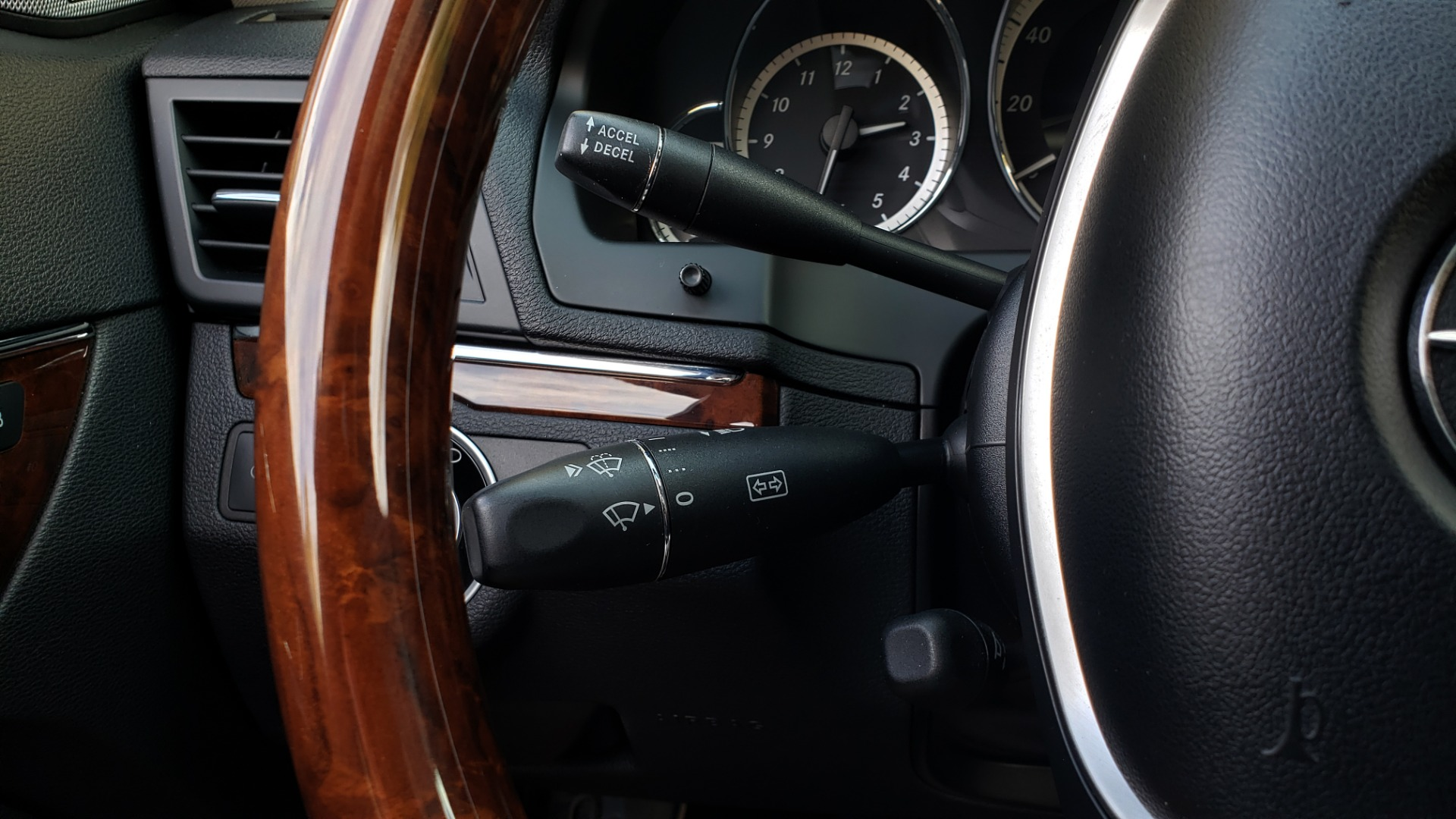 Used 2013 Mercedes-Benz E-CLASS E 350 COUPE PREM / NAV / PANO-ROFF / KEYLESS-GO / REARVIEW for sale Sold at Formula Imports in Charlotte NC 28227 43