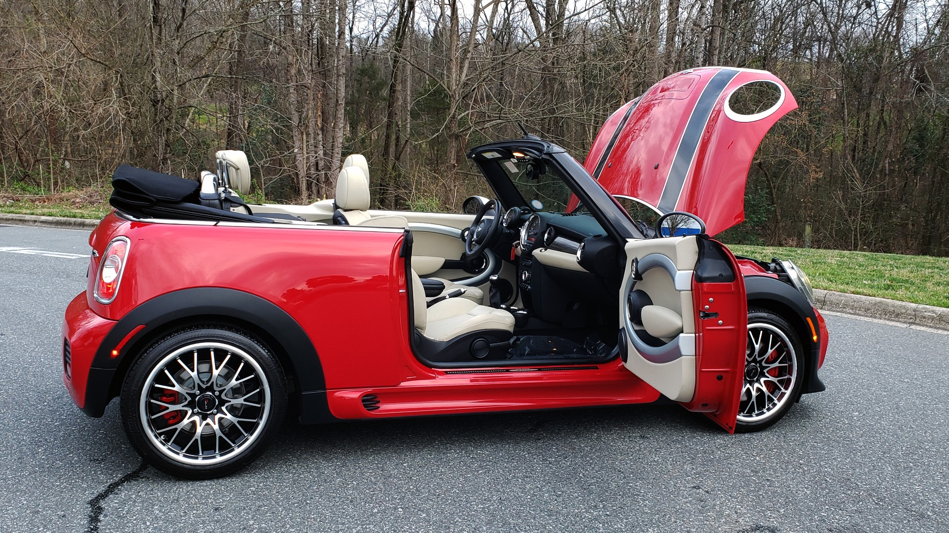 Used 2012 MINI COOPER JOHN COOPER WORKS CONVERTIBLE for sale Sold at Formula Imports in Charlotte NC 28227 17