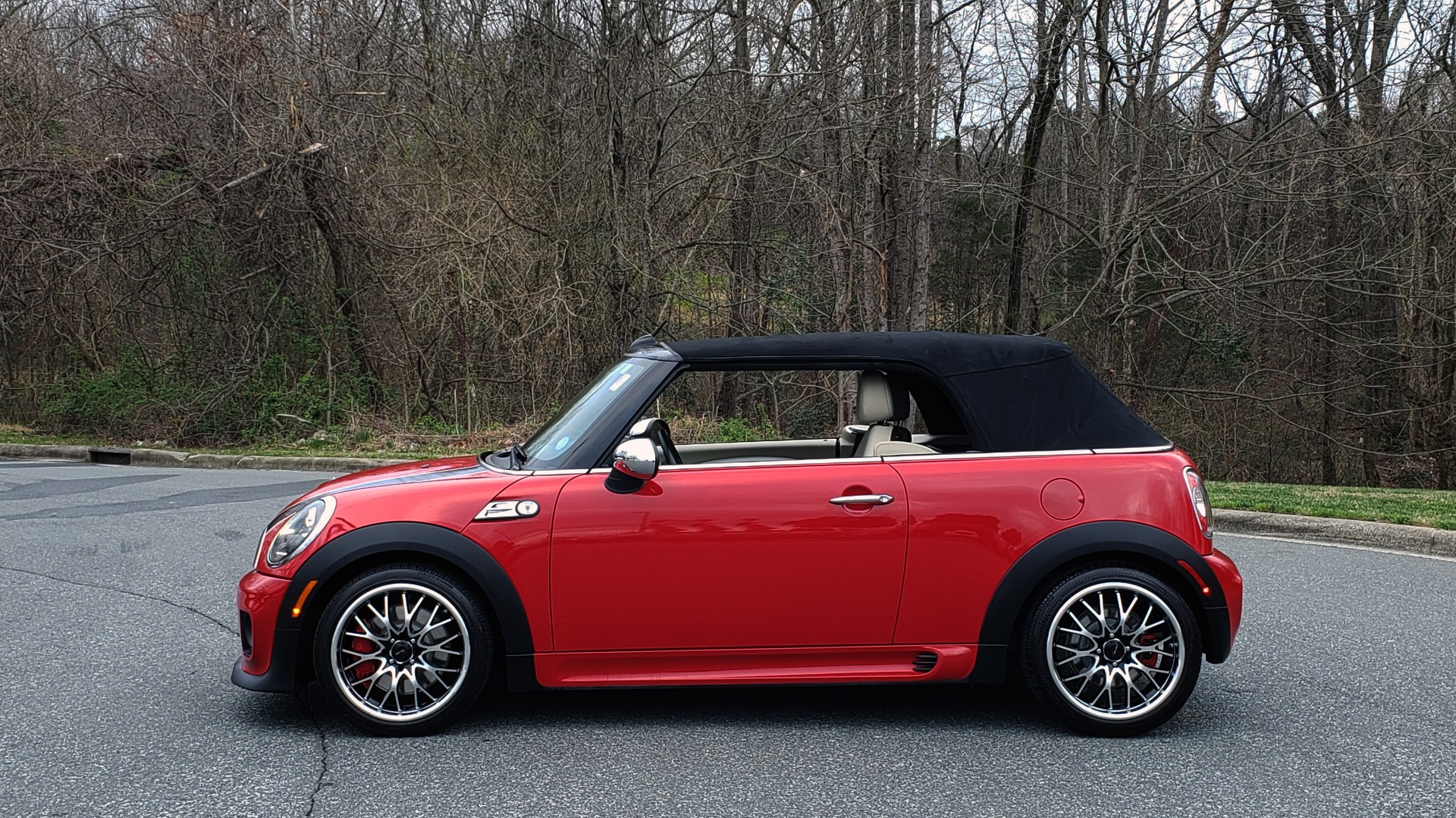 Used 2012 MINI COOPER JOHN COOPER WORKS CONVERTIBLE for sale Sold at Formula Imports in Charlotte NC 28227 3