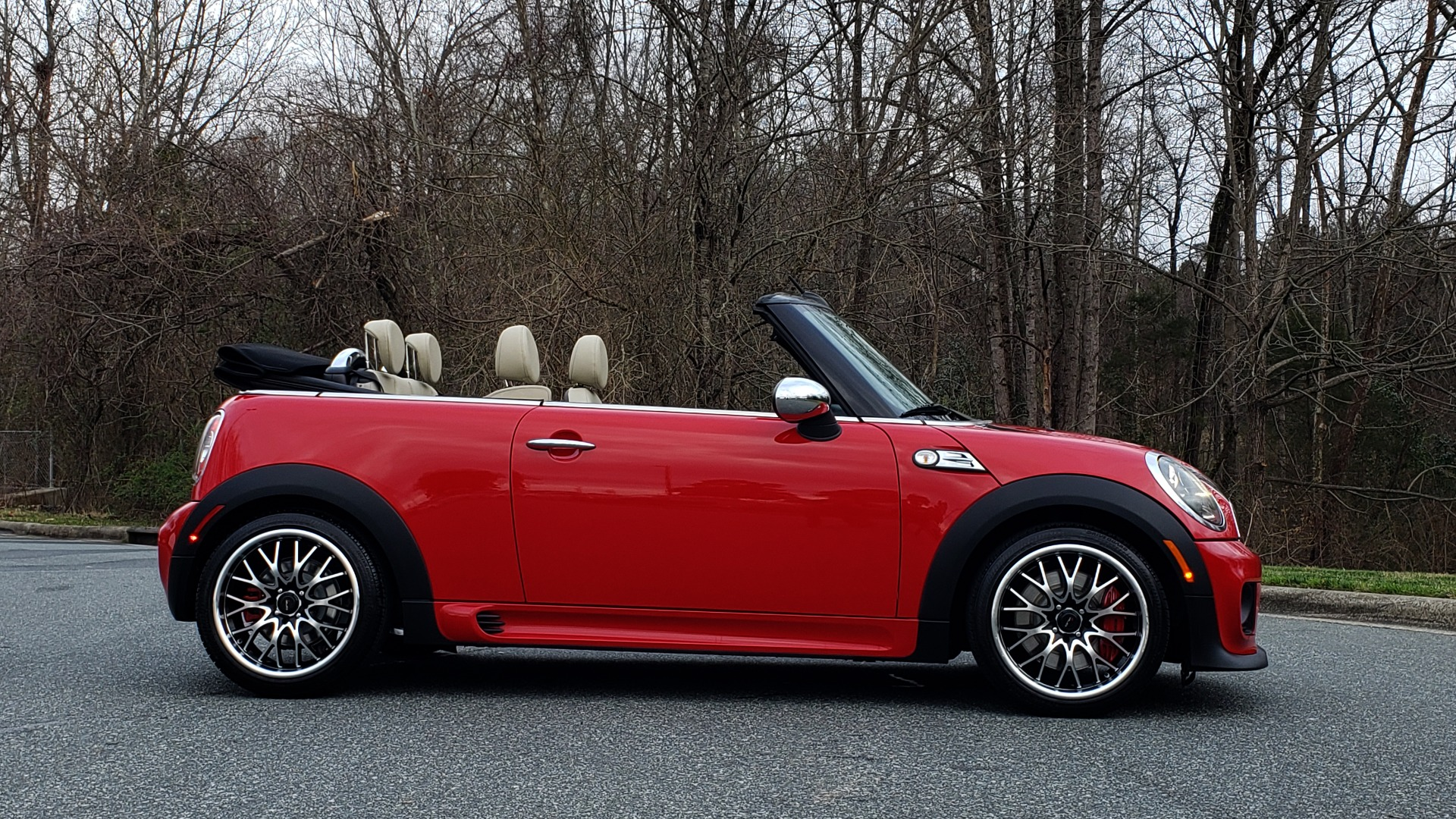 Used 2012 MINI COOPER JOHN COOPER WORKS CONVERTIBLE for sale Sold at Formula Imports in Charlotte NC 28227 7