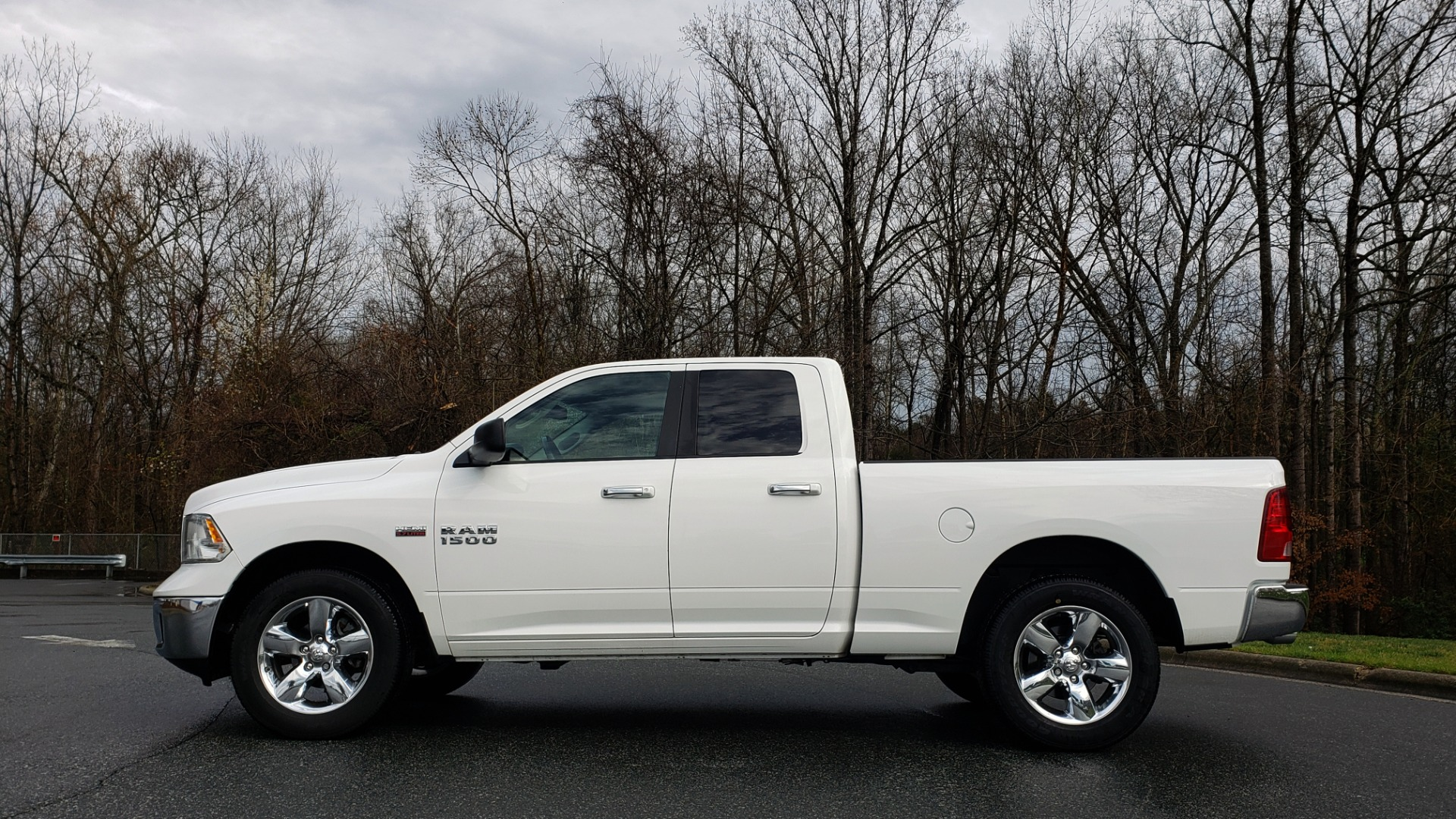 Used 2016 Ram 1500 BIG HORN QUAD CAB 4X4 / 5.7L HEMI V8 / 8-SPD AUTO for sale Sold at Formula Imports in Charlotte NC 28227 2
