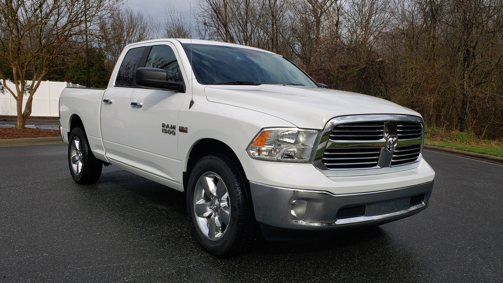 Used 2016 Ram 1500 BIG HORN QUAD CAB 4X4 / 5.7L HEMI V8 / 8-SPD AUTO for sale Sold at Formula Imports in Charlotte NC 28227 4