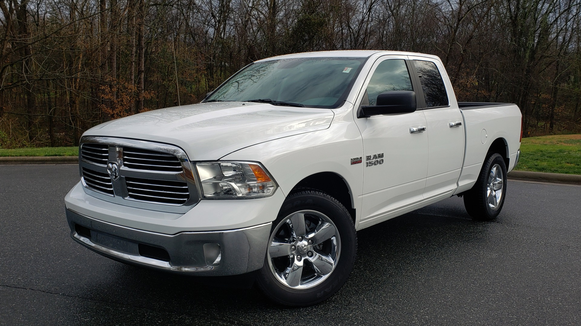 Used 2016 Ram 1500 BIG HORN QUAD CAB 4X4 / 5.7L HEMI V8 / 8-SPD AUTO for sale Sold at Formula Imports in Charlotte NC 28227 1