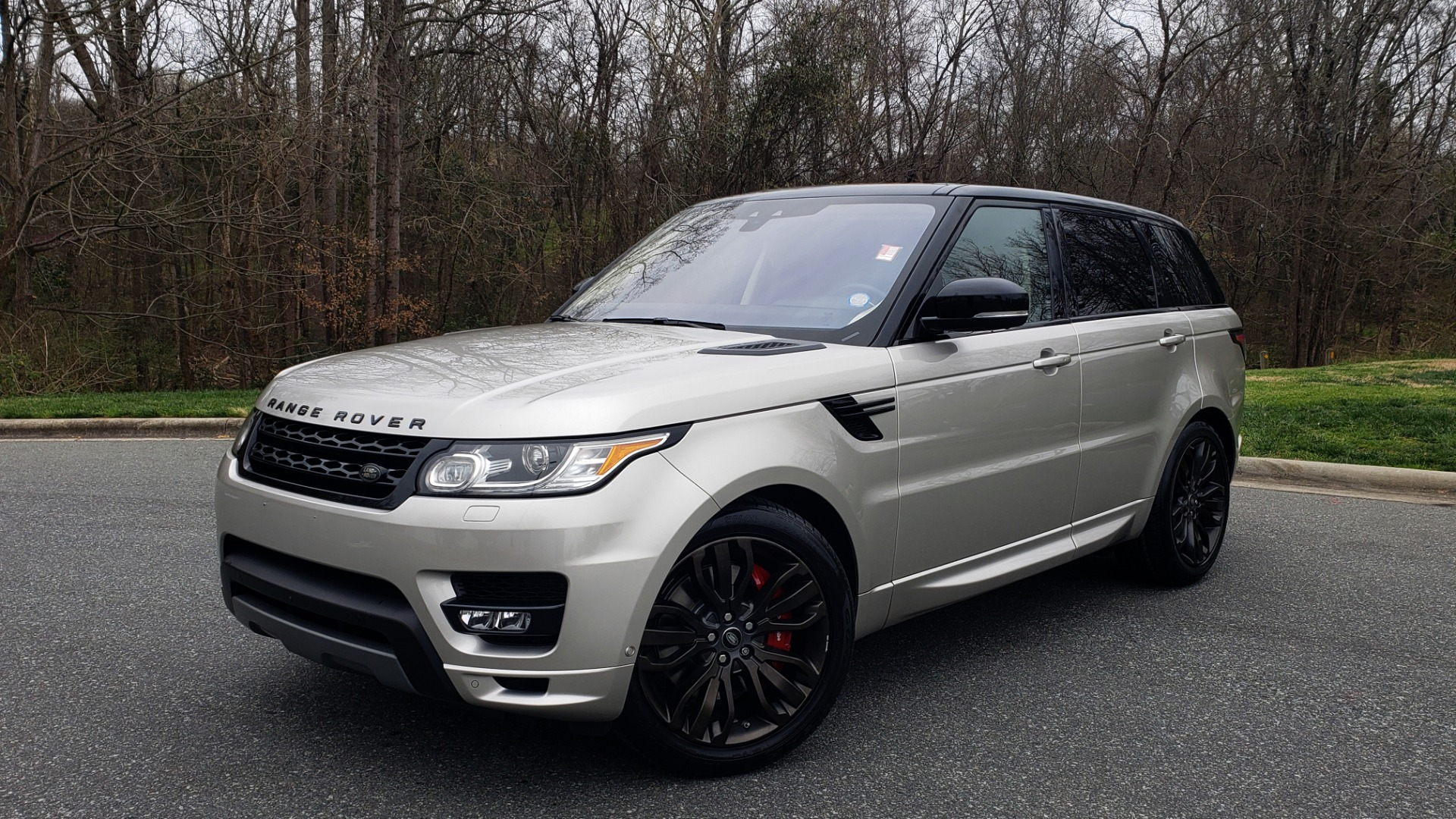 Used 2017 Land Rover RANGE ROVER SPORT HSE DYNAMIC / SC V6 / NAV / PANO-ROOF / REARVIEW for sale Sold at Formula Imports in Charlotte NC 28227 1