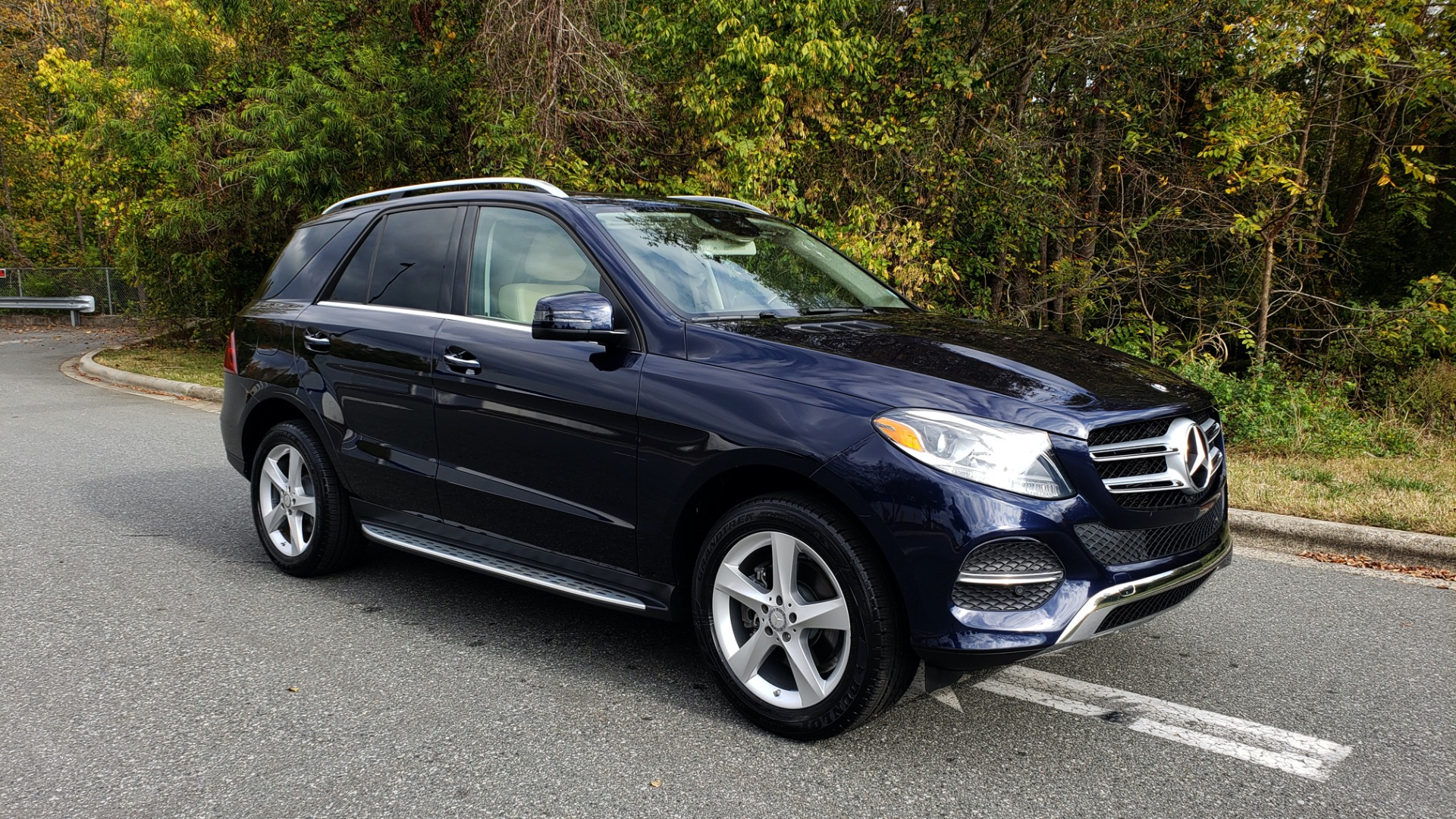Used 2016 Mercedes-Benz GLE 350 PREMIUM / NAV / SUNROOF / BACK-UP CAMERA / LANE TRACKING for sale Sold at Formula Imports in Charlotte NC 28227 10