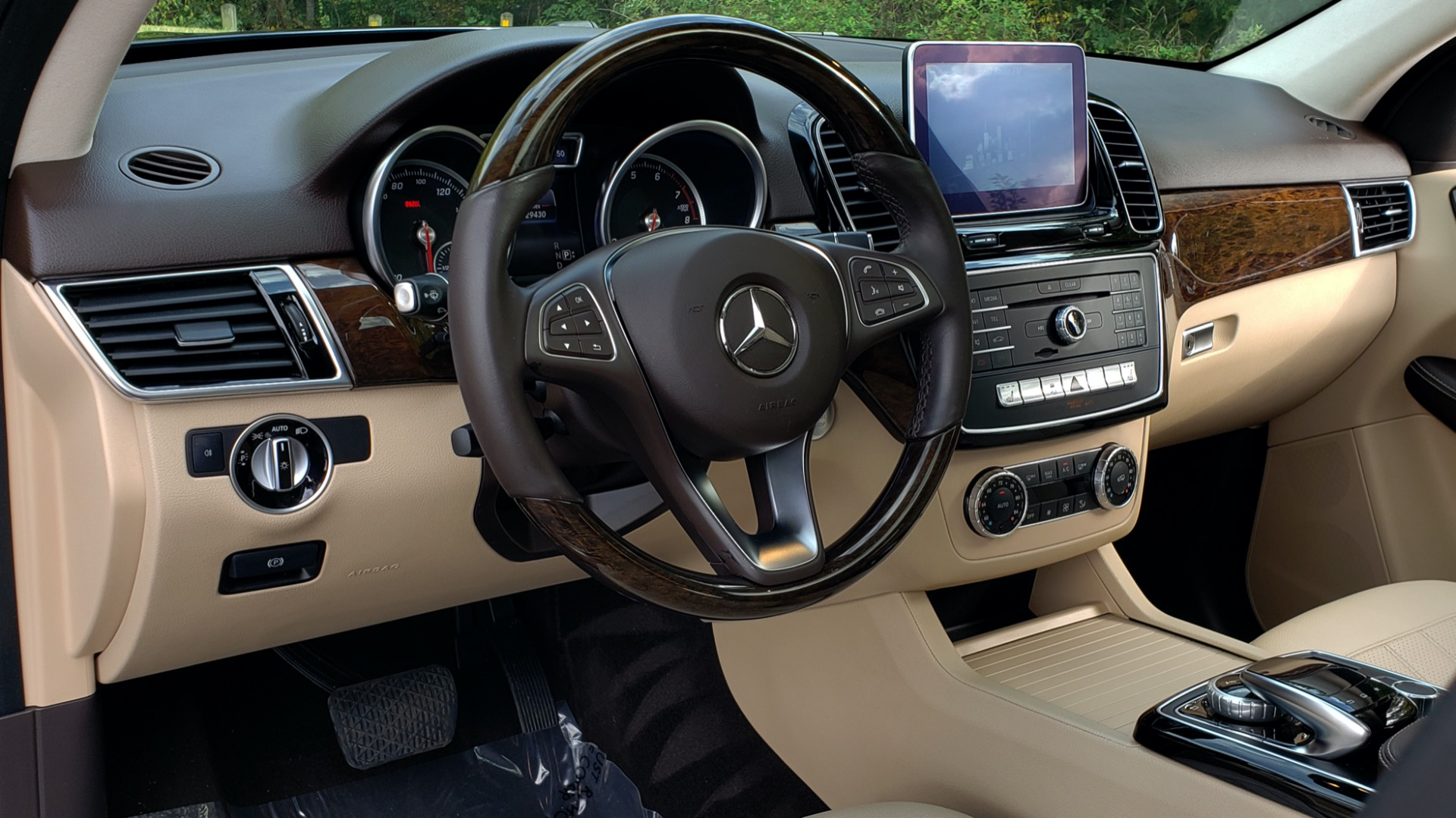 Used 2016 Mercedes-Benz GLE 350 PREMIUM / NAV / SUNROOF / BACK-UP CAMERA / LANE TRACKING for sale Sold at Formula Imports in Charlotte NC 28227 44