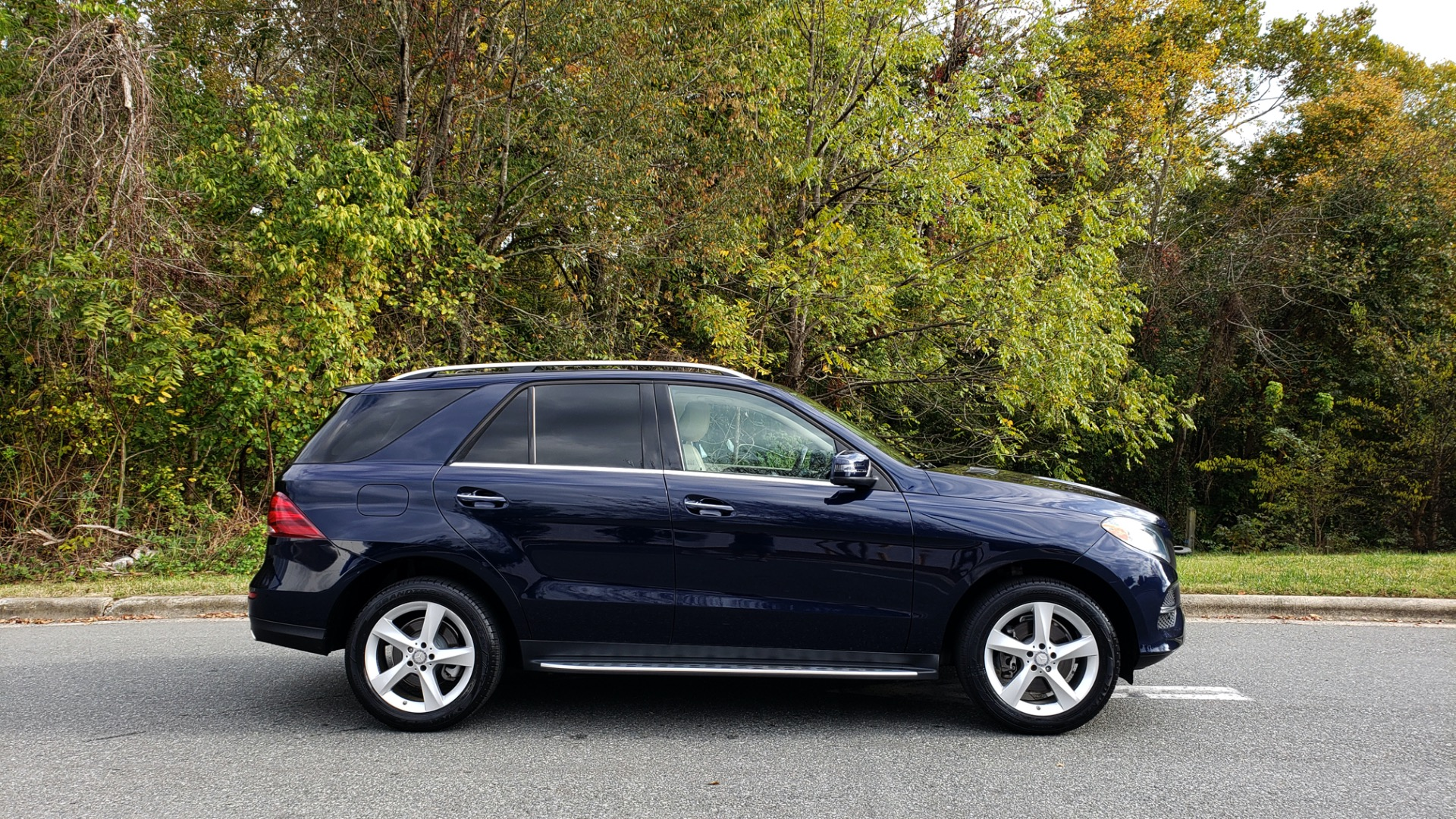 Used 2016 Mercedes-Benz GLE 350 PREMIUM / NAV / SUNROOF / BACK-UP CAMERA / LANE TRACKING for sale Sold at Formula Imports in Charlotte NC 28227 9