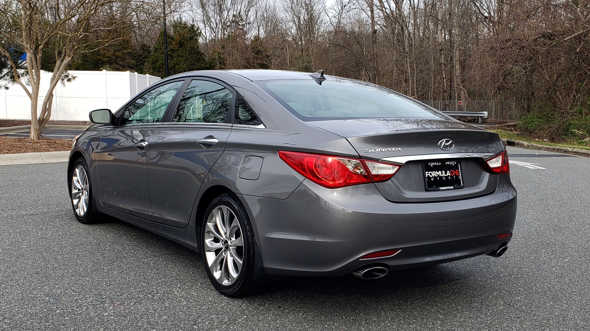 Used 2013 Hyundai SONATA SE AUTO / 2.4L 4-CYL / 6-SPD AUTO / VERY CLEAN for sale Sold at Formula Imports in Charlotte NC 28227 3