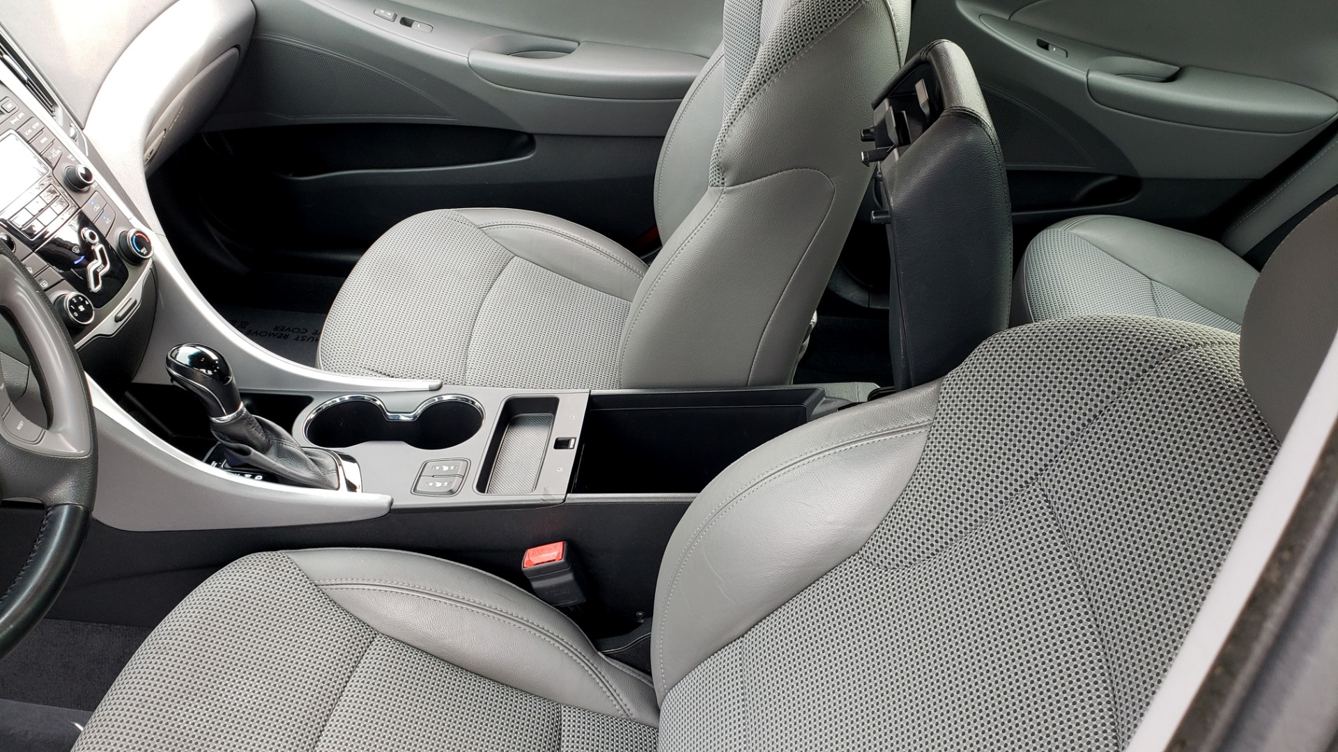 Used 2013 Hyundai SONATA SE AUTO / 2.4L 4-CYL / 6-SPD AUTO / VERY CLEAN for sale Sold at Formula Imports in Charlotte NC 28227 51