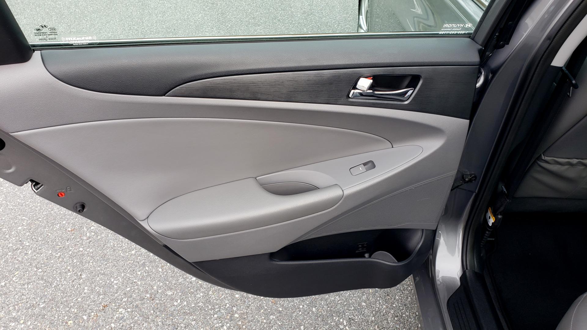 Used 2013 Hyundai SONATA SE AUTO / 2.4L 4-CYL / 6-SPD AUTO / VERY CLEAN for sale Sold at Formula Imports in Charlotte NC 28227 53