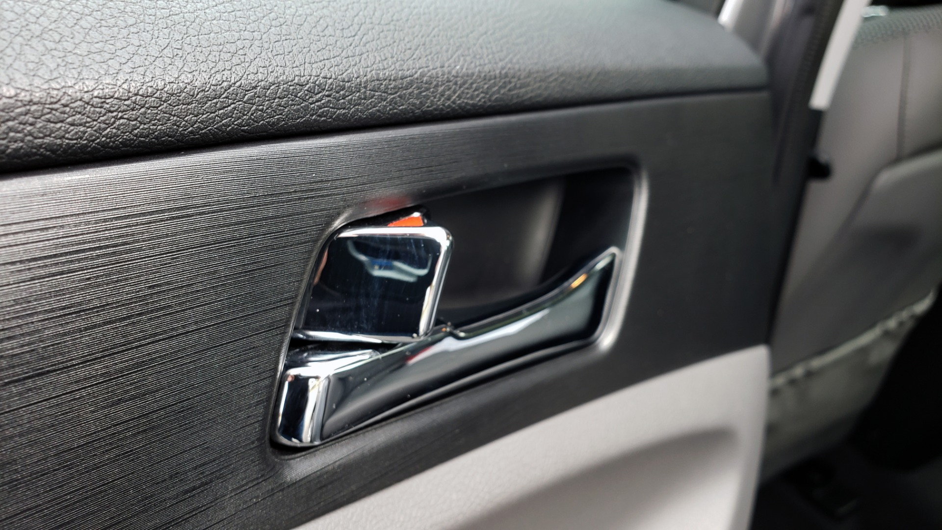 Used 2013 Hyundai SONATA SE AUTO / 2.4L 4-CYL / 6-SPD AUTO / VERY CLEAN for sale Sold at Formula Imports in Charlotte NC 28227 54