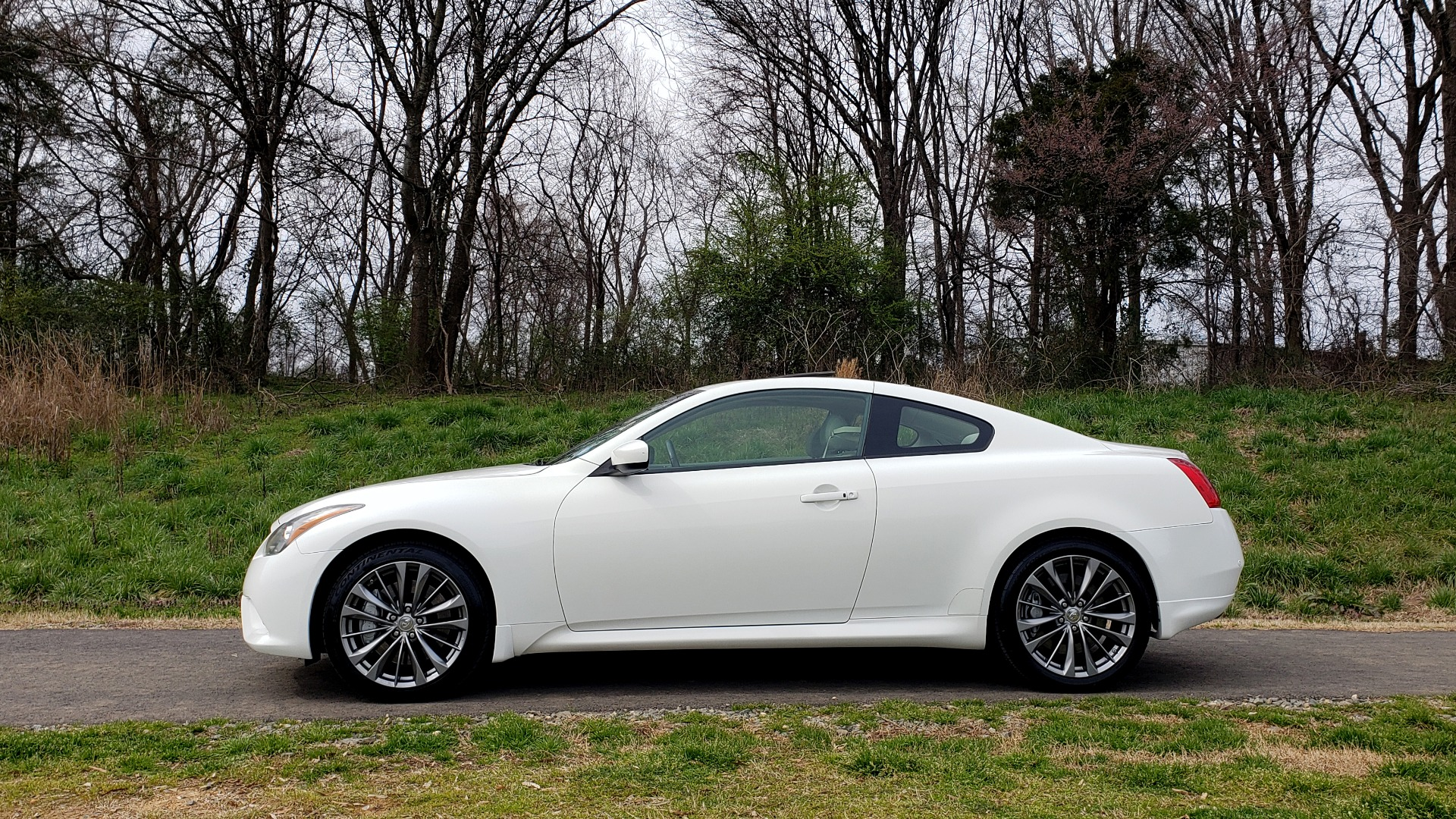 Used 2012 Infiniti G37 Coupe X AWD PREMIUM SPORT PKG / NAV / SUNROOF / REARVIEW for sale Sold at Formula Imports in Charlotte NC 28227 2