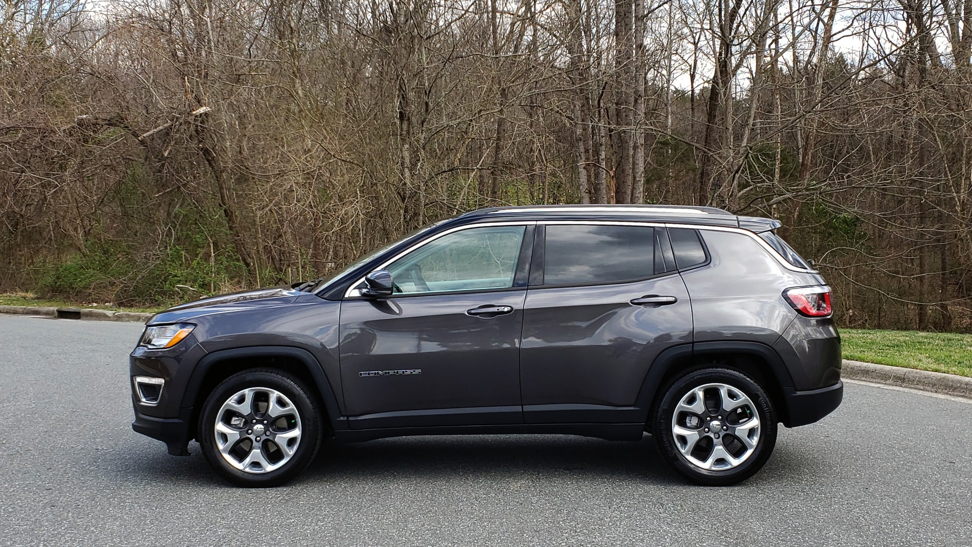 Used 2019 Jeep COMPASS LIMITED FWD / SUNROOF / BLIND SPOT / PARK SENSE for sale Sold at Formula Imports in Charlotte NC 28227 2