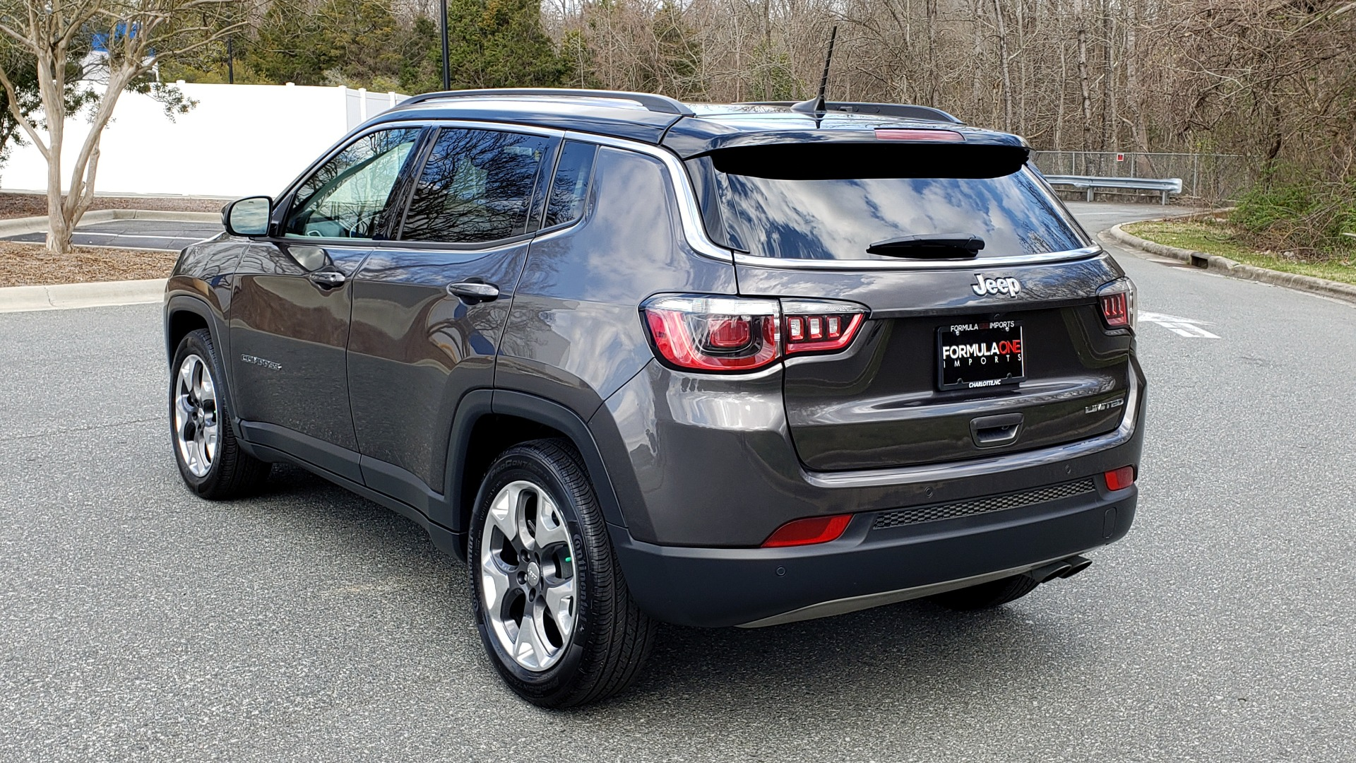Used 2019 Jeep COMPASS LIMITED FWD / SUNROOF / BLIND SPOT / PARK SENSE for sale Sold at Formula Imports in Charlotte NC 28227 3