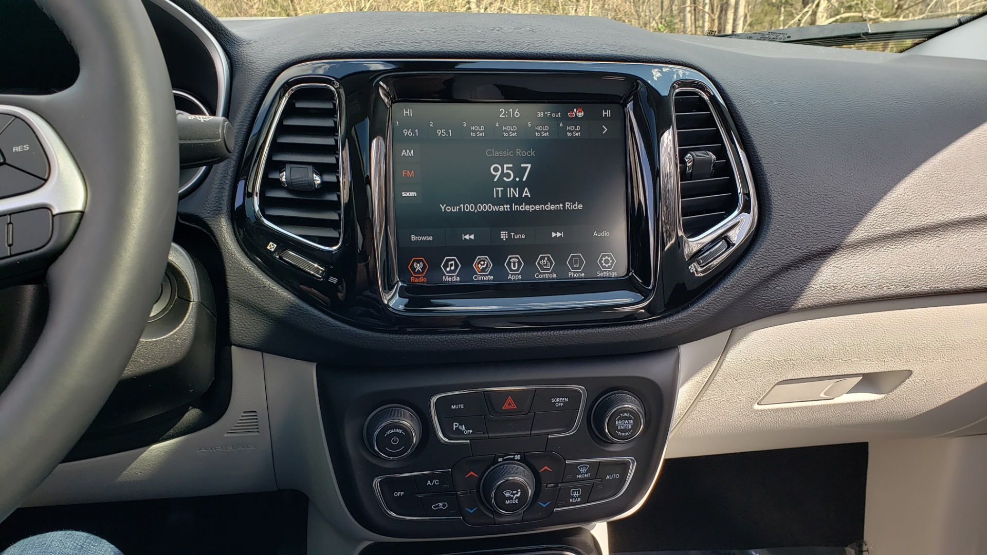 Used 2019 Jeep COMPASS LIMITED FWD / SUNROOF / BLIND SPOT / PARK SENSE for sale Sold at Formula Imports in Charlotte NC 28227 45