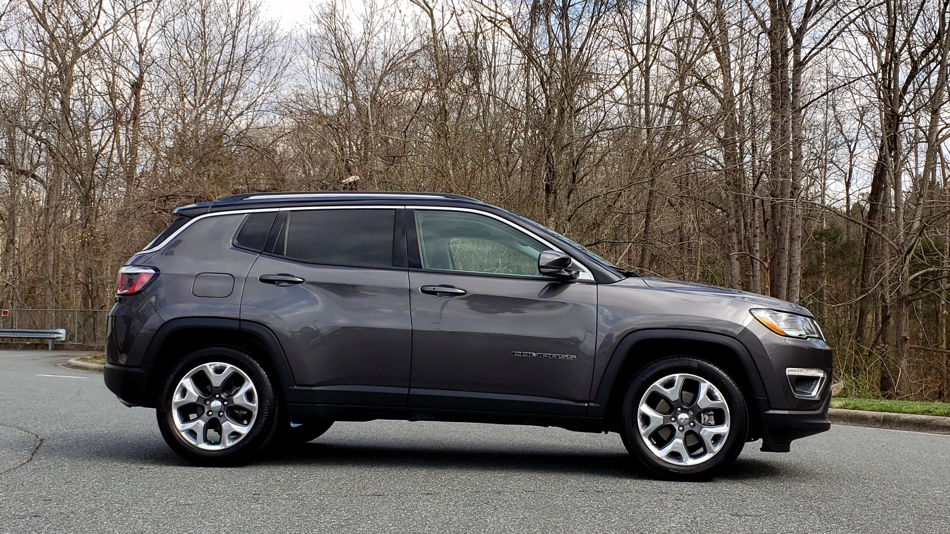 Used 2019 Jeep COMPASS LIMITED FWD / SUNROOF / BLIND SPOT / PARK SENSE for sale Sold at Formula Imports in Charlotte NC 28227 5