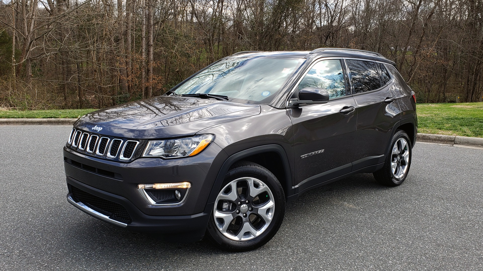 Used 2019 Jeep COMPASS LIMITED FWD / SUNROOF / BLIND SPOT / PARK SENSE for sale Sold at Formula Imports in Charlotte NC 28227 1