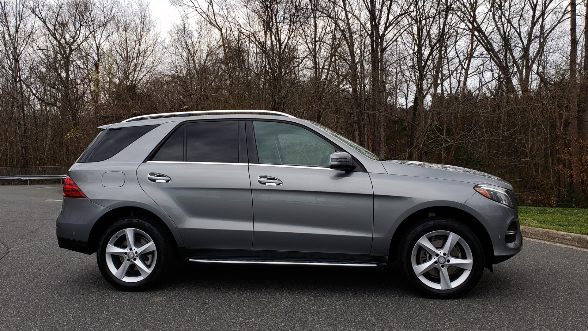 Used 2016 Mercedes-Benz GLE 350 4MATIC / PREMIUM / LIGHTING / NAV / SUNROOF / HTD STS / REAR for sale Sold at Formula Imports in Charlotte NC 28227 5
