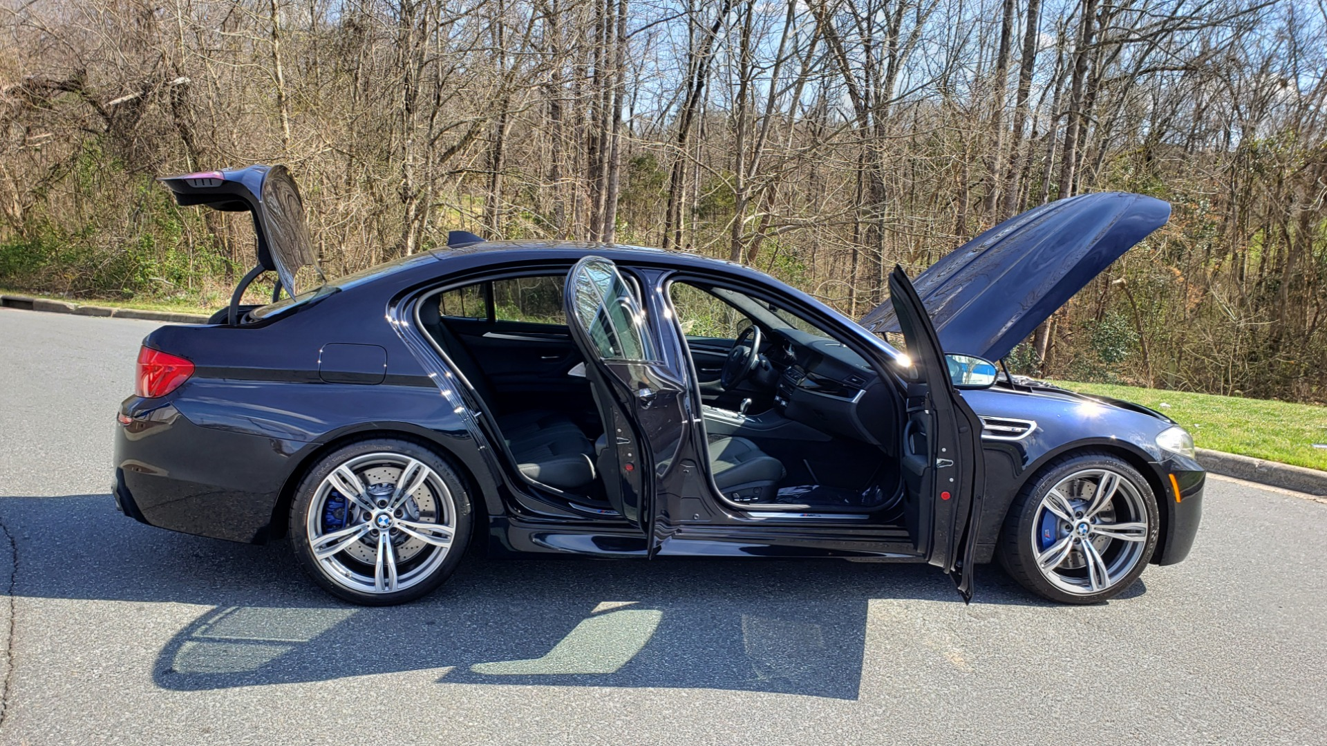 Used 2013 BMW M5 EXECUTIVE PKG / DRVR ASST / NAV / SUNROOF / REARVIEW for sale Sold at Formula Imports in Charlotte NC 28227 10