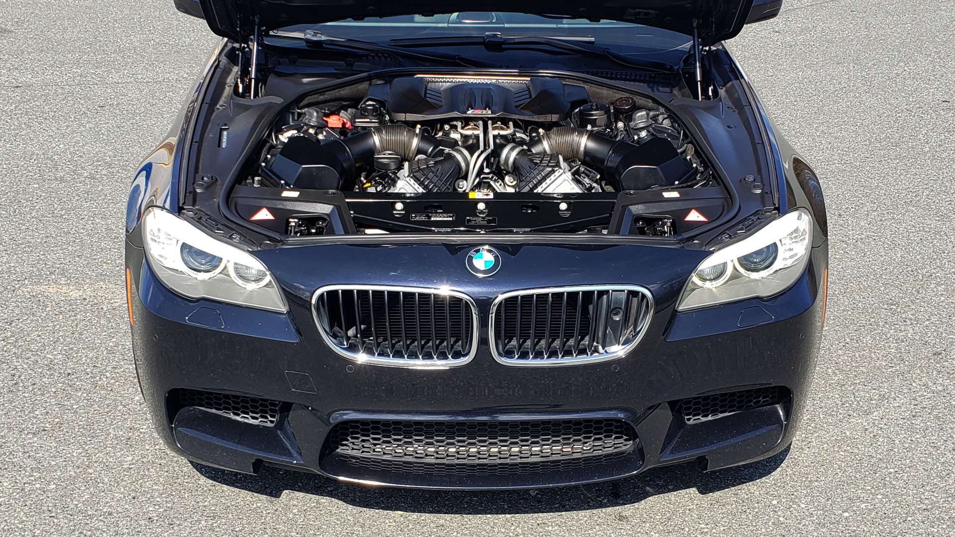 Used 2013 BMW M5 EXECUTIVE PKG / DRVR ASST / NAV / SUNROOF / REARVIEW for sale Sold at Formula Imports in Charlotte NC 28227 11