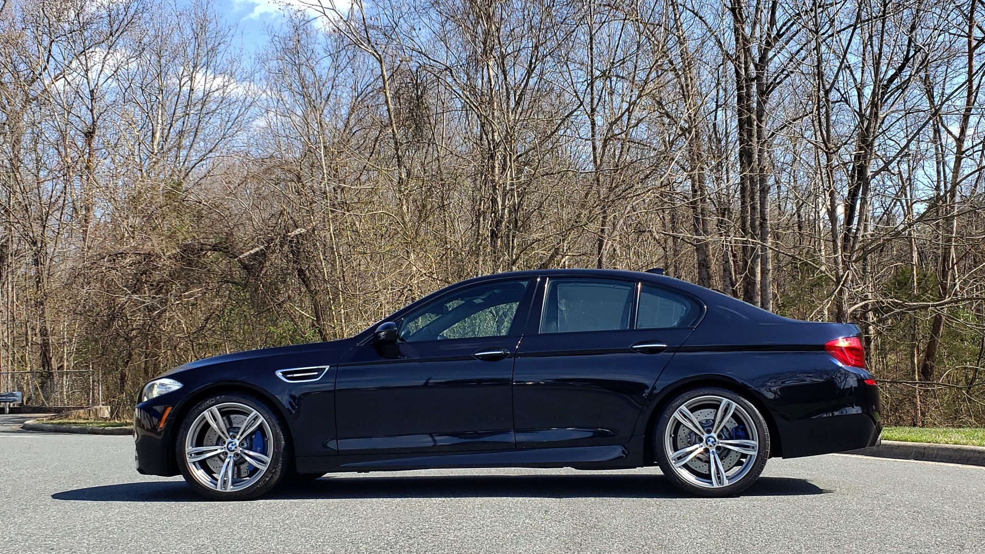 Used 2013 BMW M5 EXECUTIVE PKG / DRVR ASST / NAV / SUNROOF / REARVIEW for sale Sold at Formula Imports in Charlotte NC 28227 2