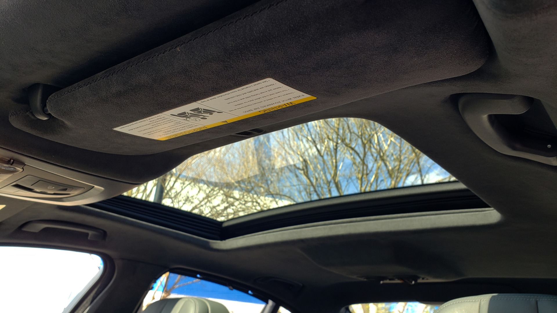 Used 2013 BMW M5 EXECUTIVE PKG / DRVR ASST / NAV / SUNROOF / REARVIEW for sale Sold at Formula Imports in Charlotte NC 28227 25