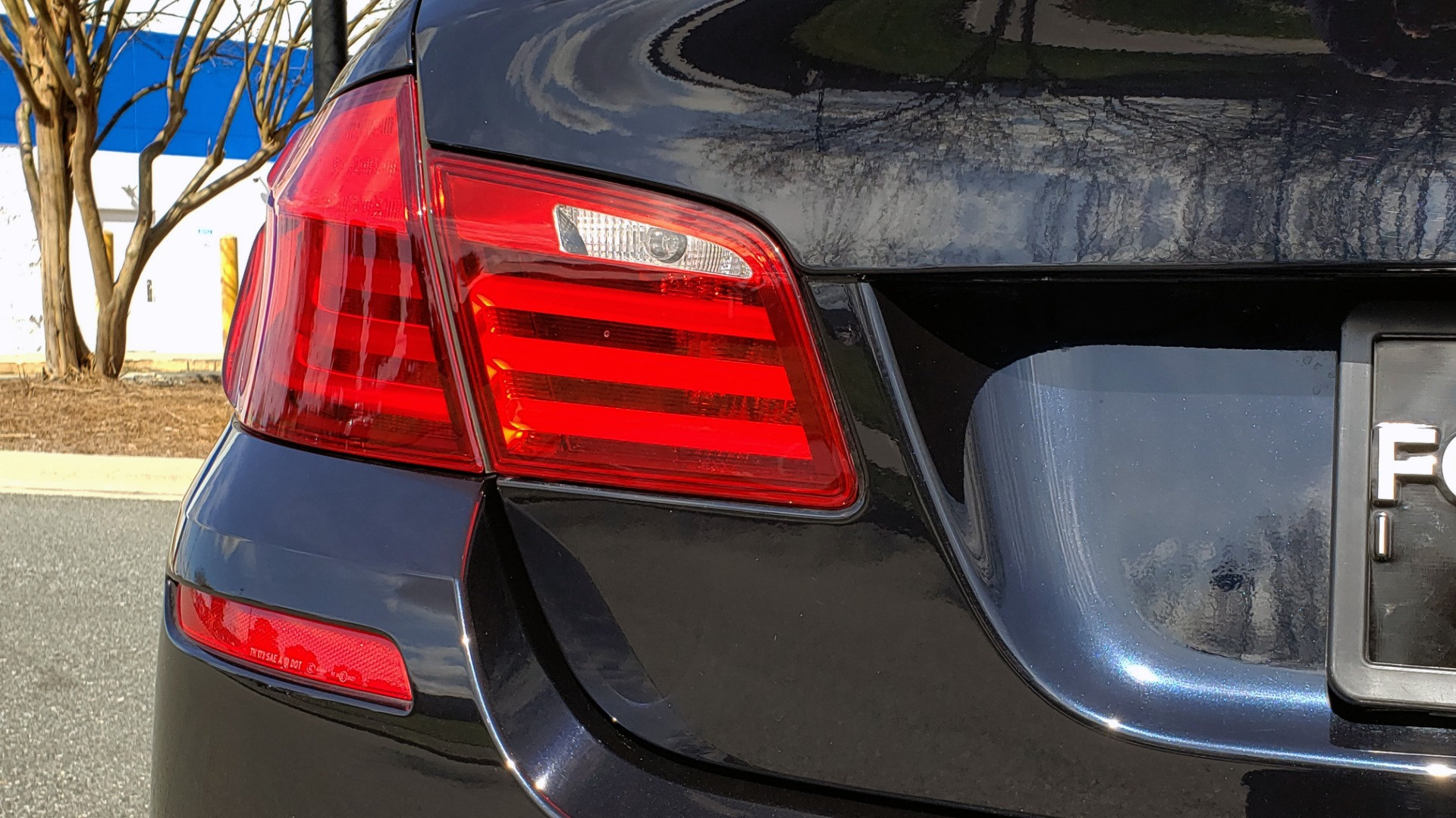 Used 2013 BMW M5 EXECUTIVE PKG / DRVR ASST / NAV / SUNROOF / REARVIEW for sale Sold at Formula Imports in Charlotte NC 28227 29