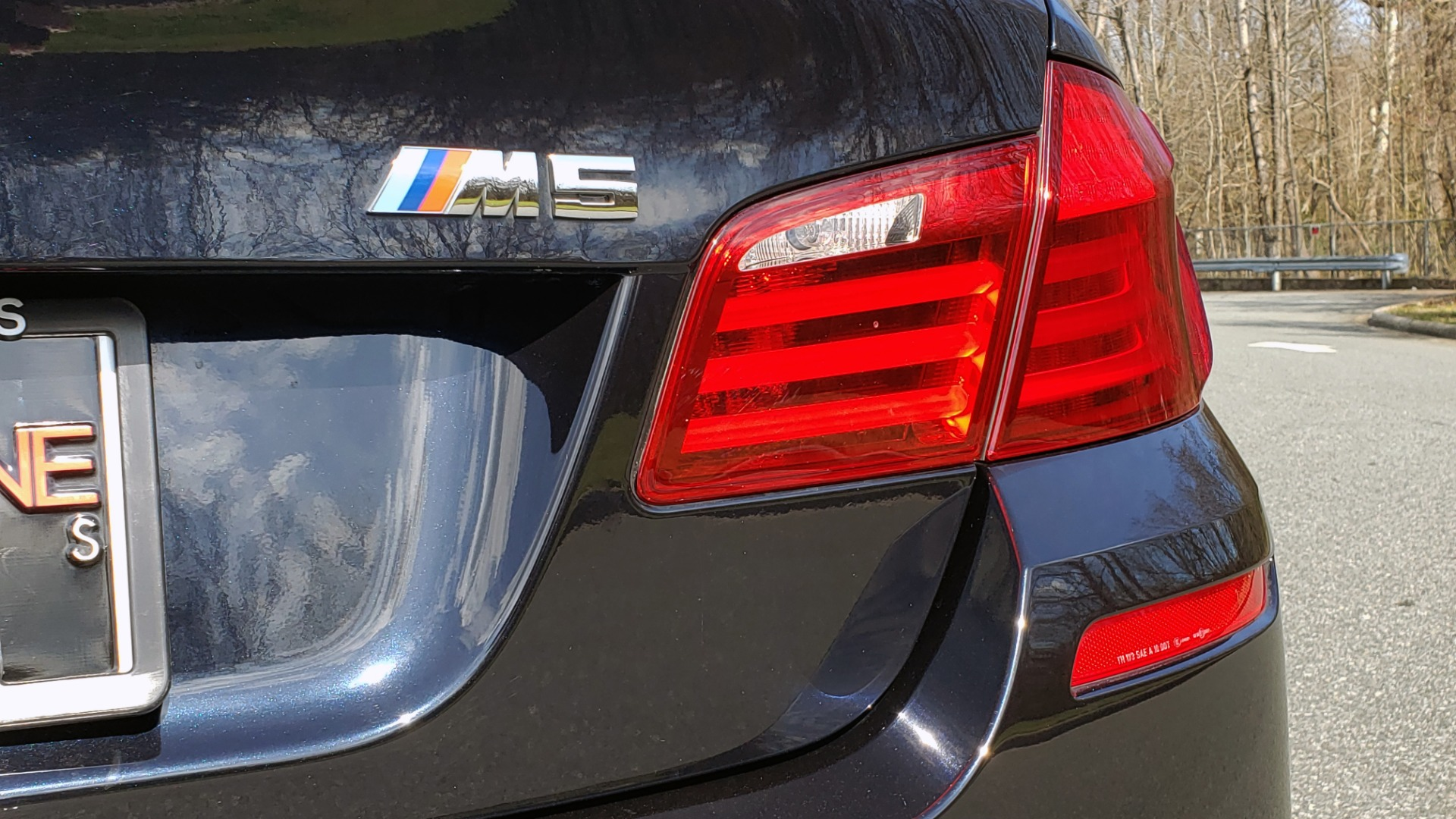 Used 2013 BMW M5 EXECUTIVE PKG / DRVR ASST / NAV / SUNROOF / REARVIEW for sale Sold at Formula Imports in Charlotte NC 28227 30