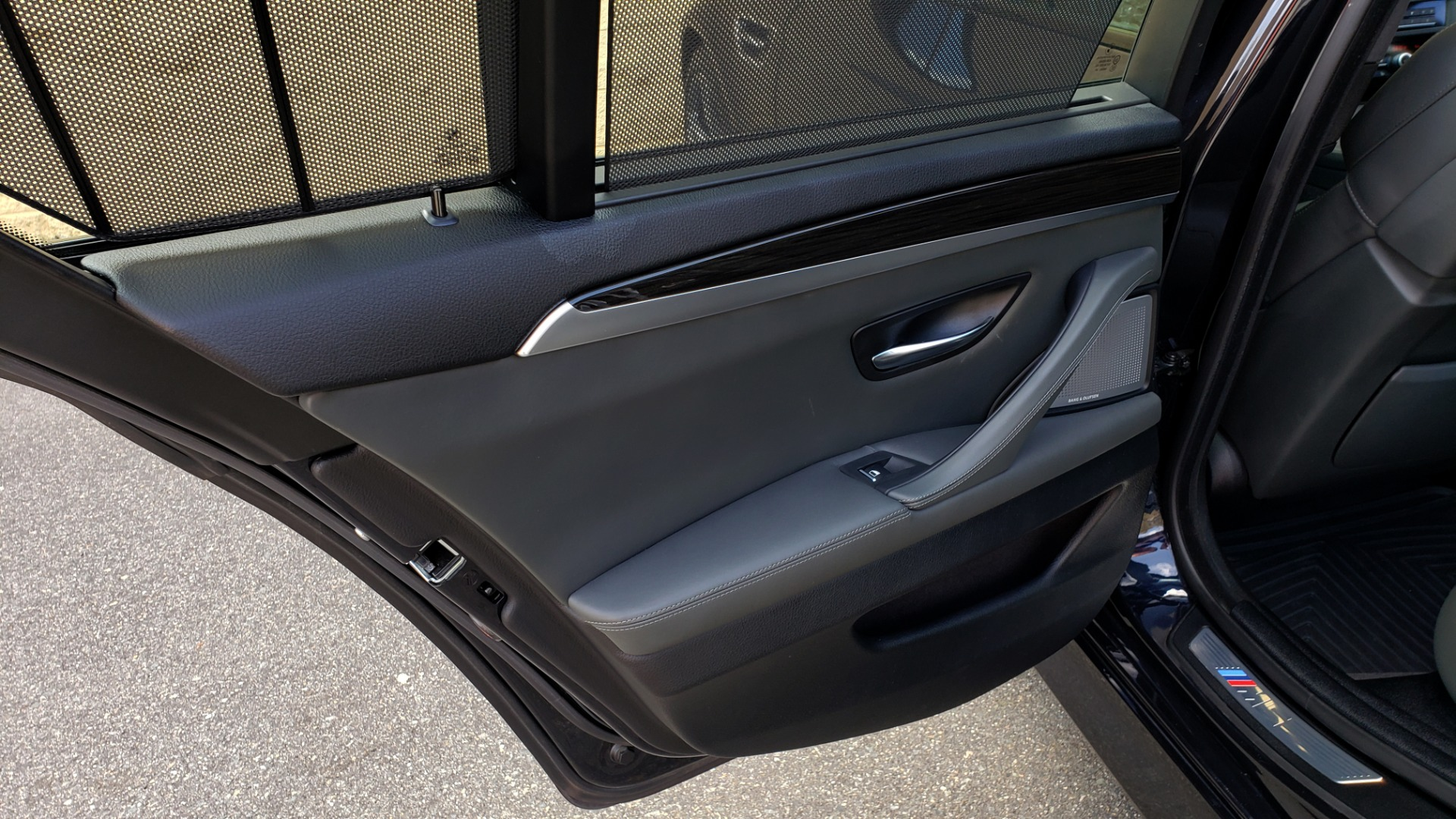 Used 2013 BMW M5 EXECUTIVE PKG / DRVR ASST / NAV / SUNROOF / REARVIEW for sale Sold at Formula Imports in Charlotte NC 28227 65