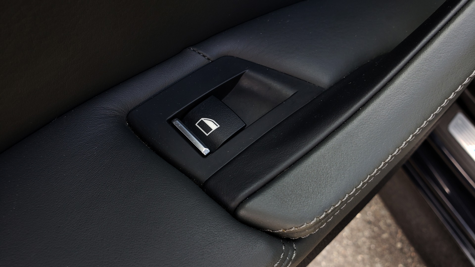 Used 2013 BMW M5 EXECUTIVE PKG / DRVR ASST / NAV / SUNROOF / REARVIEW for sale Sold at Formula Imports in Charlotte NC 28227 67