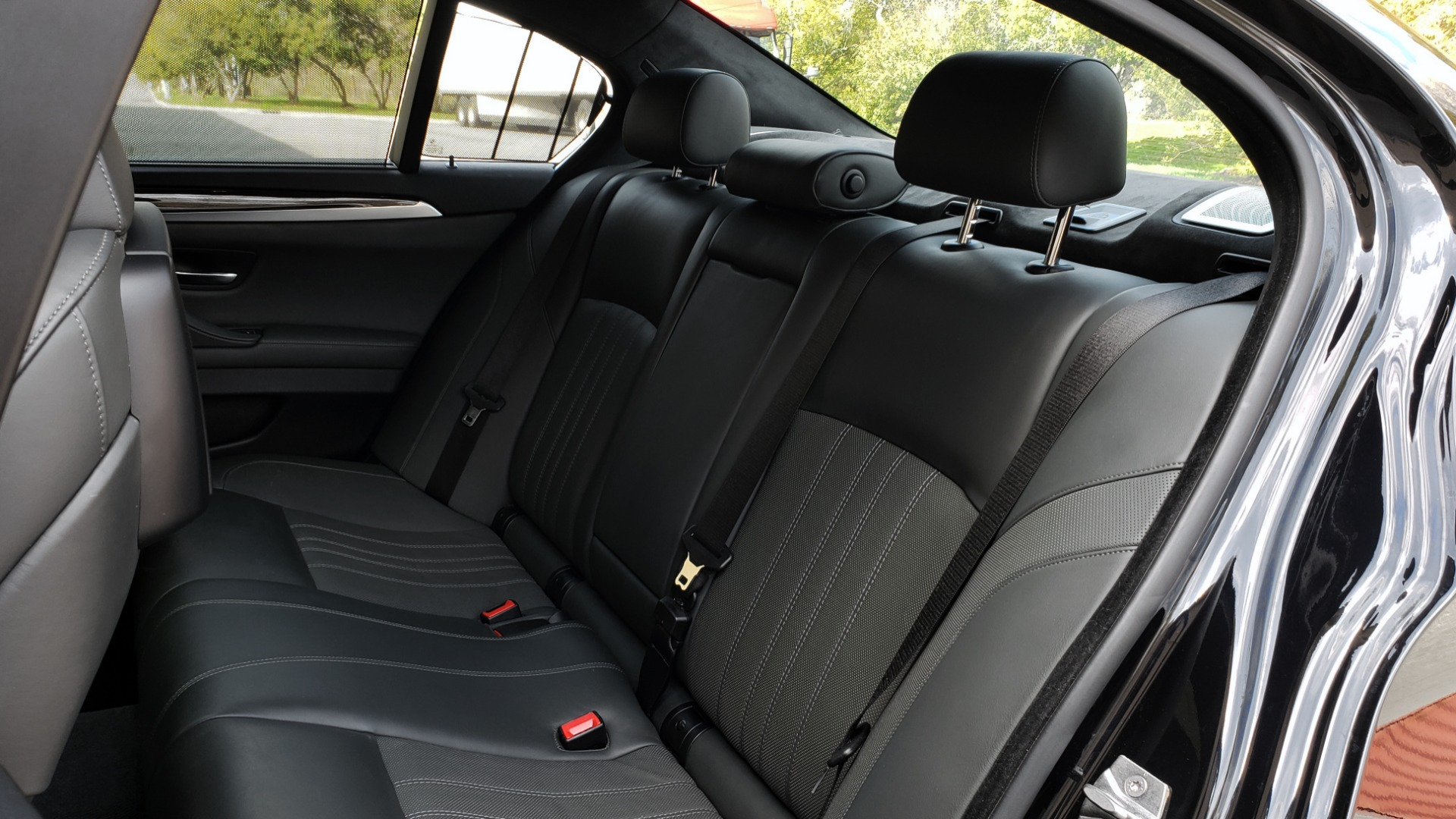 Used 2013 BMW M5 EXECUTIVE PKG / DRVR ASST / NAV / SUNROOF / REARVIEW for sale Sold at Formula Imports in Charlotte NC 28227 69