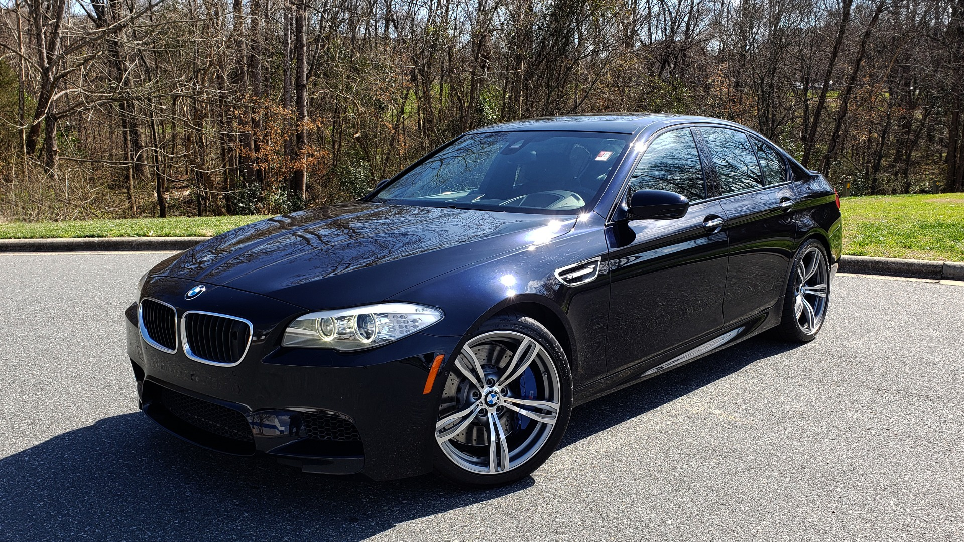 Used 2013 BMW M5 EXECUTIVE PKG / DRVR ASST / NAV / SUNROOF / REARVIEW for sale Sold at Formula Imports in Charlotte NC 28227 1